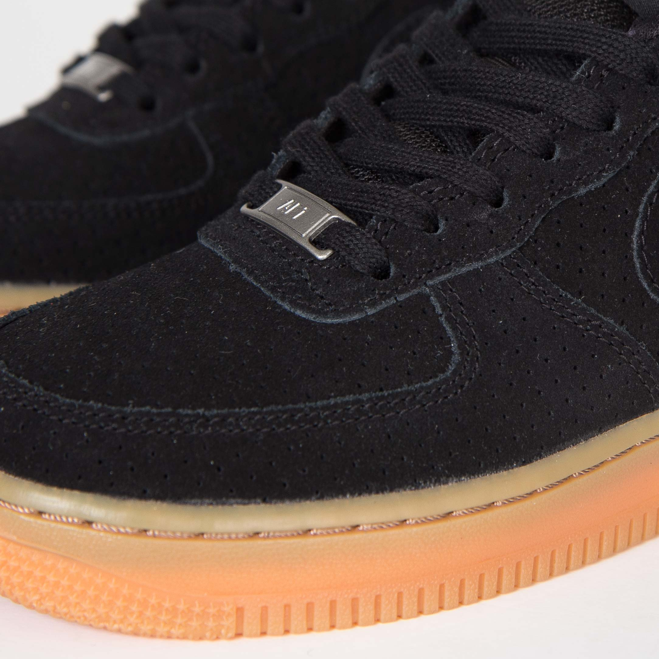 Nike Wmns Air Force 1 07 Suede 749263 002 Sneakersnstuff