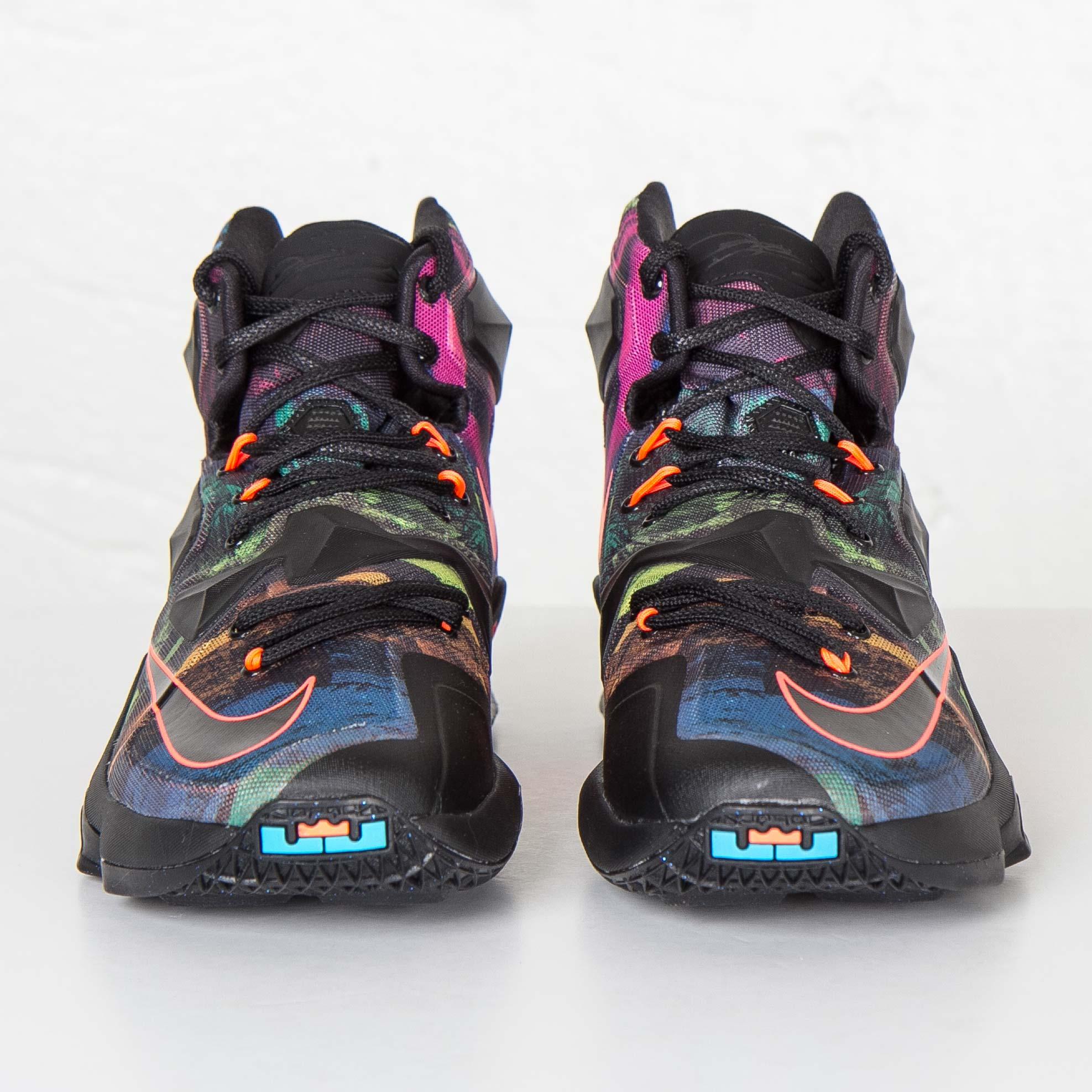 innovative design 05b82 cecac Nike Lebron XIII - 807219-008 - Sneakersnstuff   sneakers   streetwear  online since 1999
