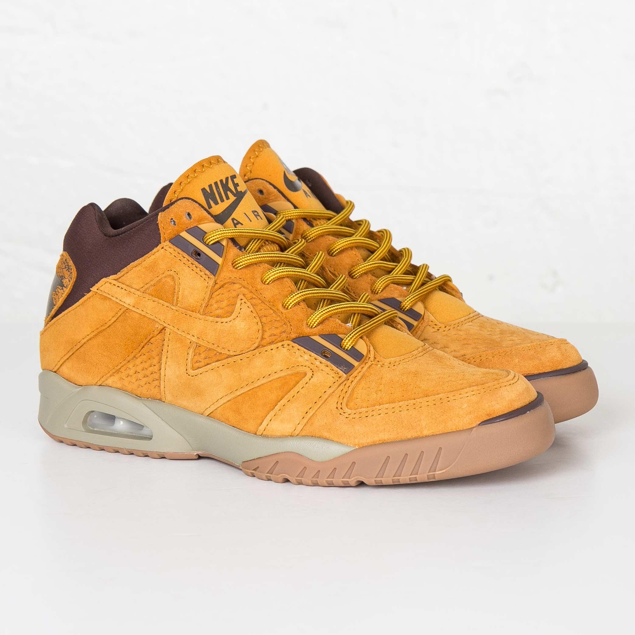 00636e2521d9 Nike Air Tech Challenge III - 749957-700 - Sneakersnstuff