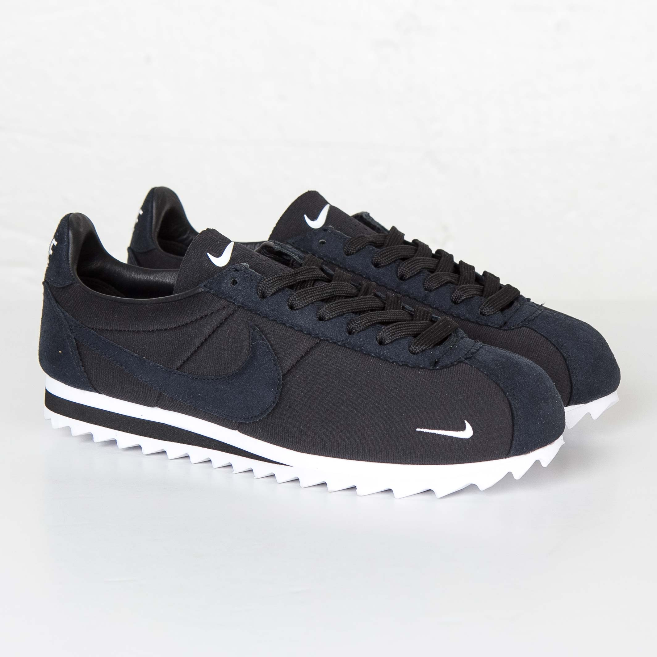 huge selection of 71e21 3936e Nike Classic Cortez Shark Low SP