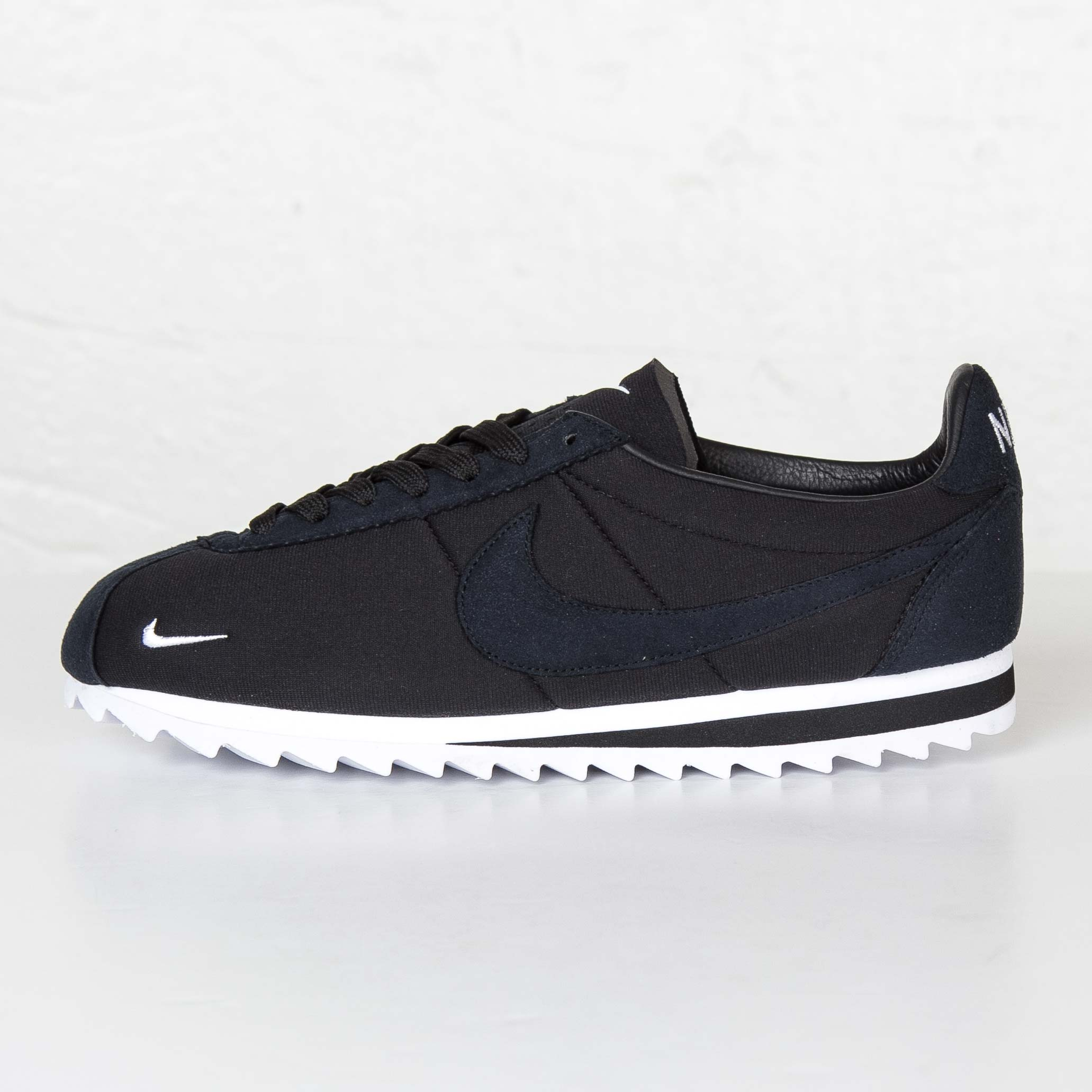 finest selection ff8d5 431f3 ... Nike Classic Cortez Shark Low SP ...