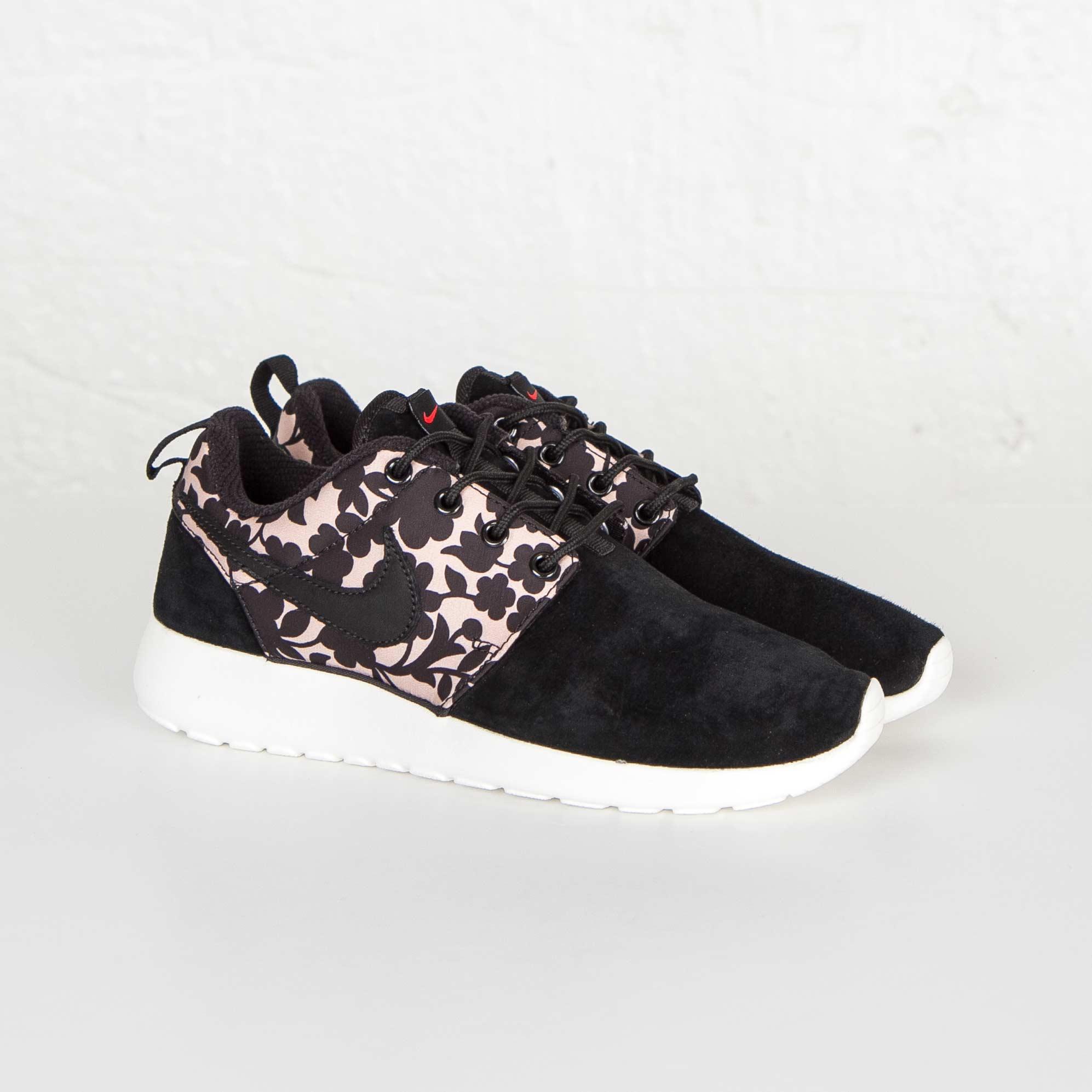 9bf6ab3a87b2 Nike Wmns Roshe One Lib QS - 654165-001 - Sneakersnstuff