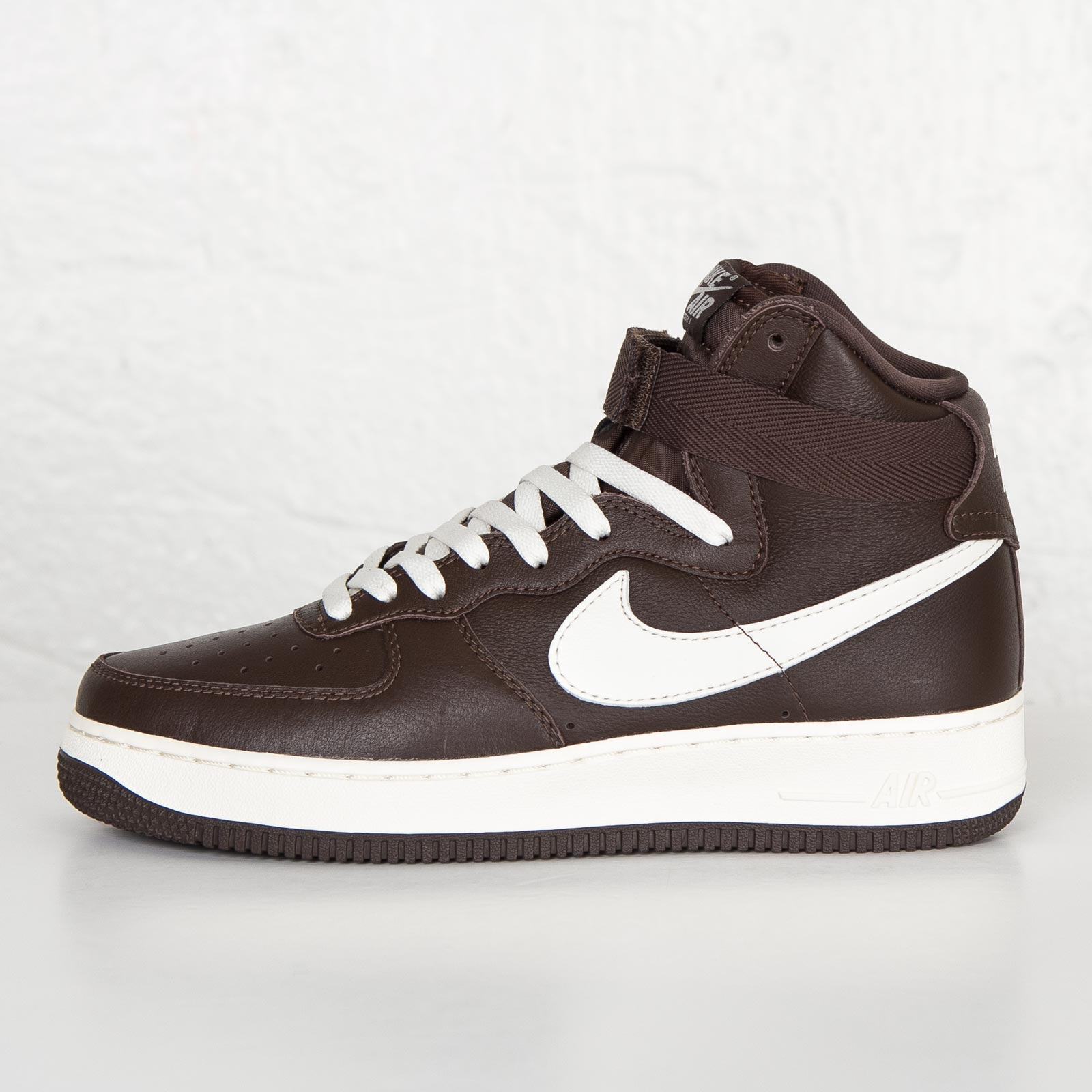 newest 6fa0c 35c58 ... Nike Air Force 1 Retro QS ...