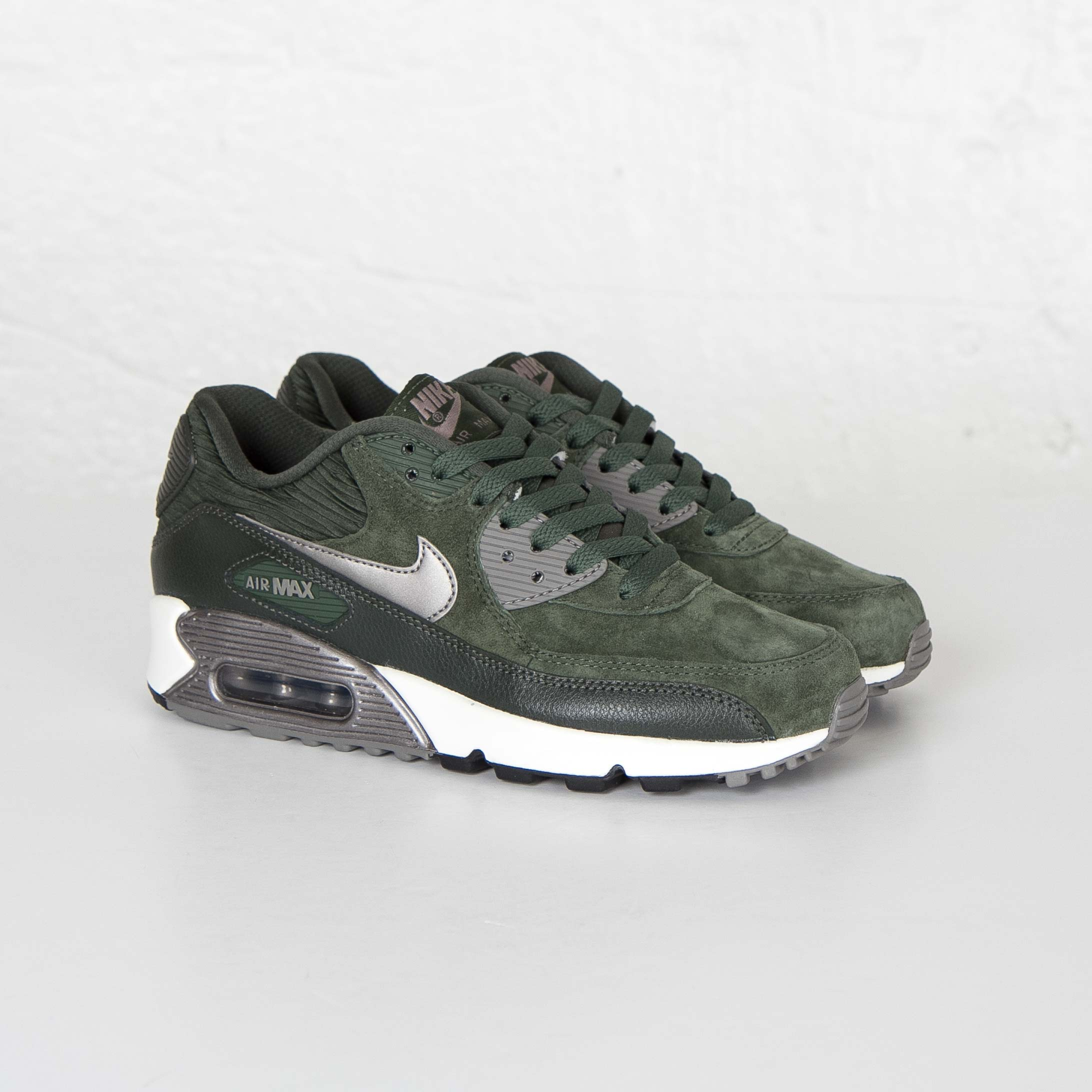 sweden nike wmns air max 90 leather carbon green c93b0 c625f