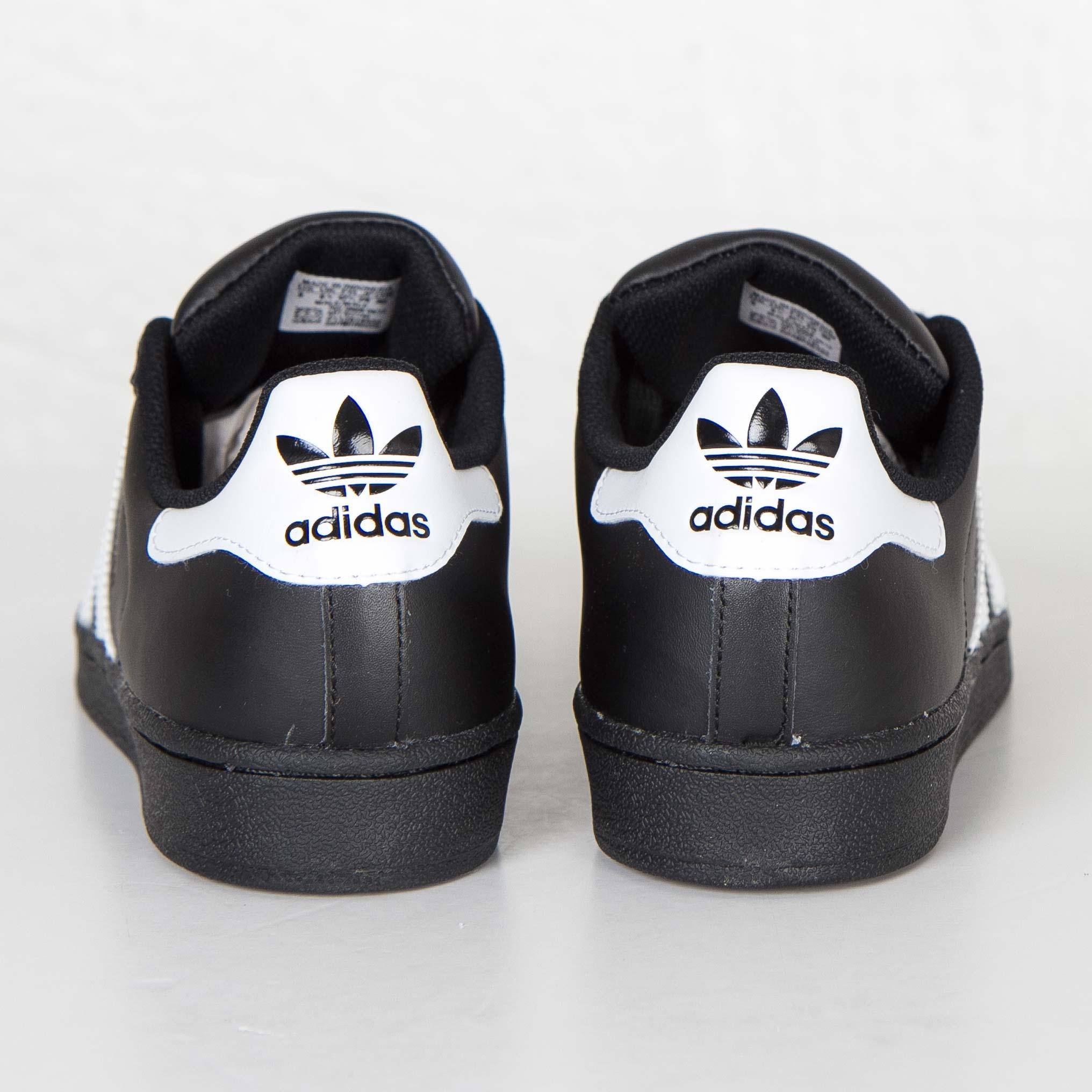 explique gráfico Caracterizar  adidas Superstar Foundation - B27140 - Sneakersnstuff | sneakers &  streetwear på nätet sen 1999