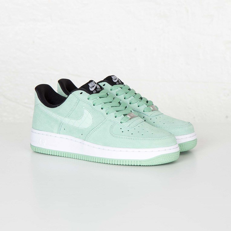 Nike W Air Force 1 07 Seasonal