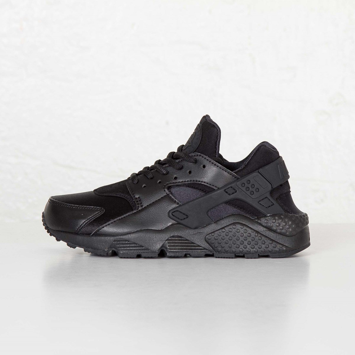 7685b896f293 Nike Wmns Air Huarache Run - 634835-012 - Sneakersnstuff