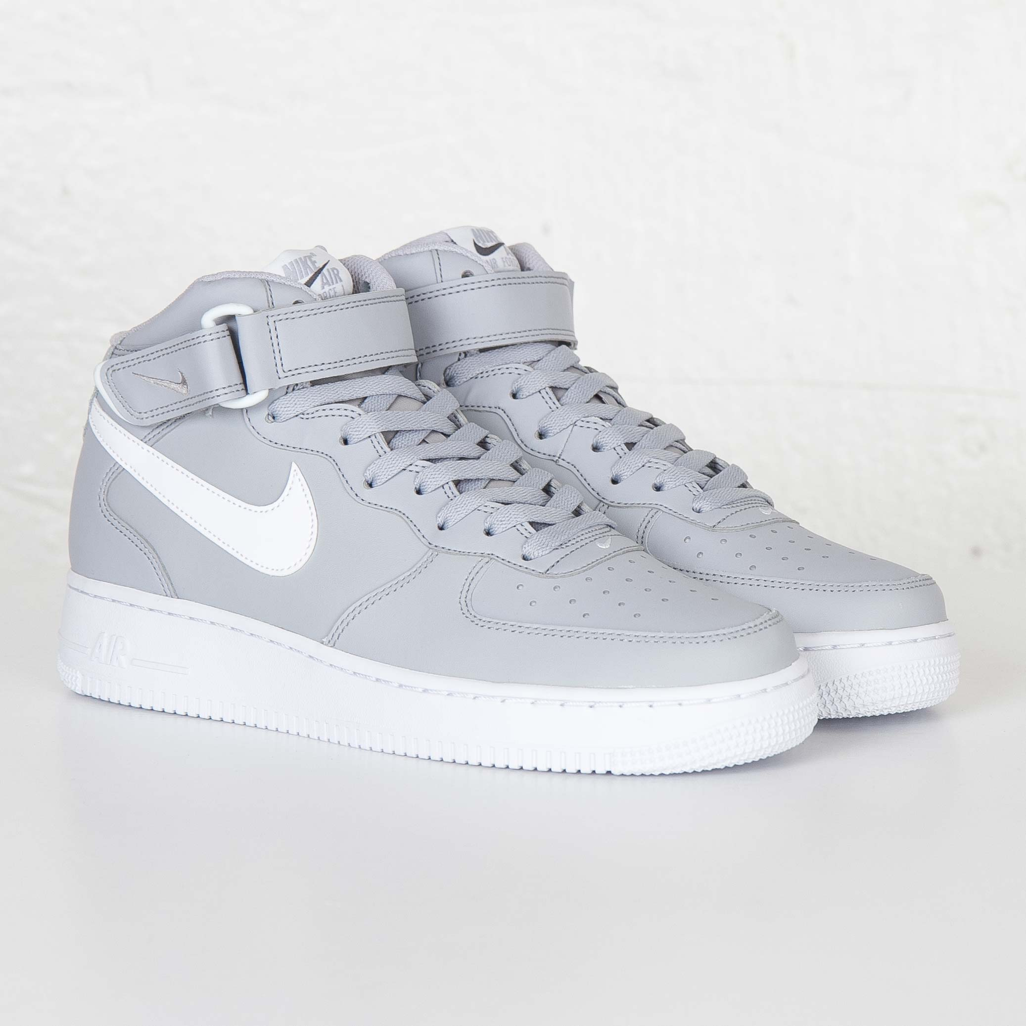 timeless design 0452e b49c0 Nike Air Force 1 Mid 07