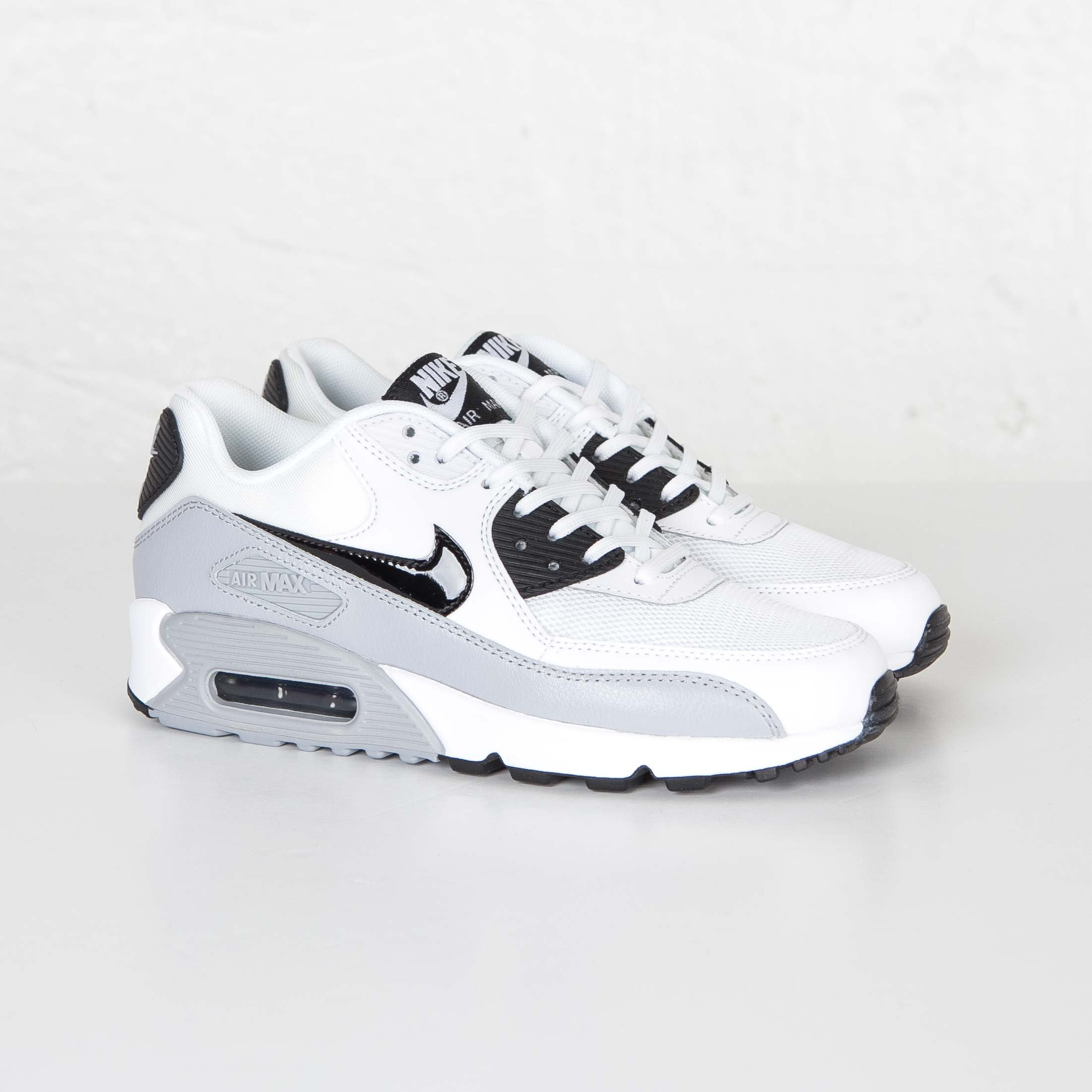Nike WMNS Air Max 90 Essential Shoes 616730 111