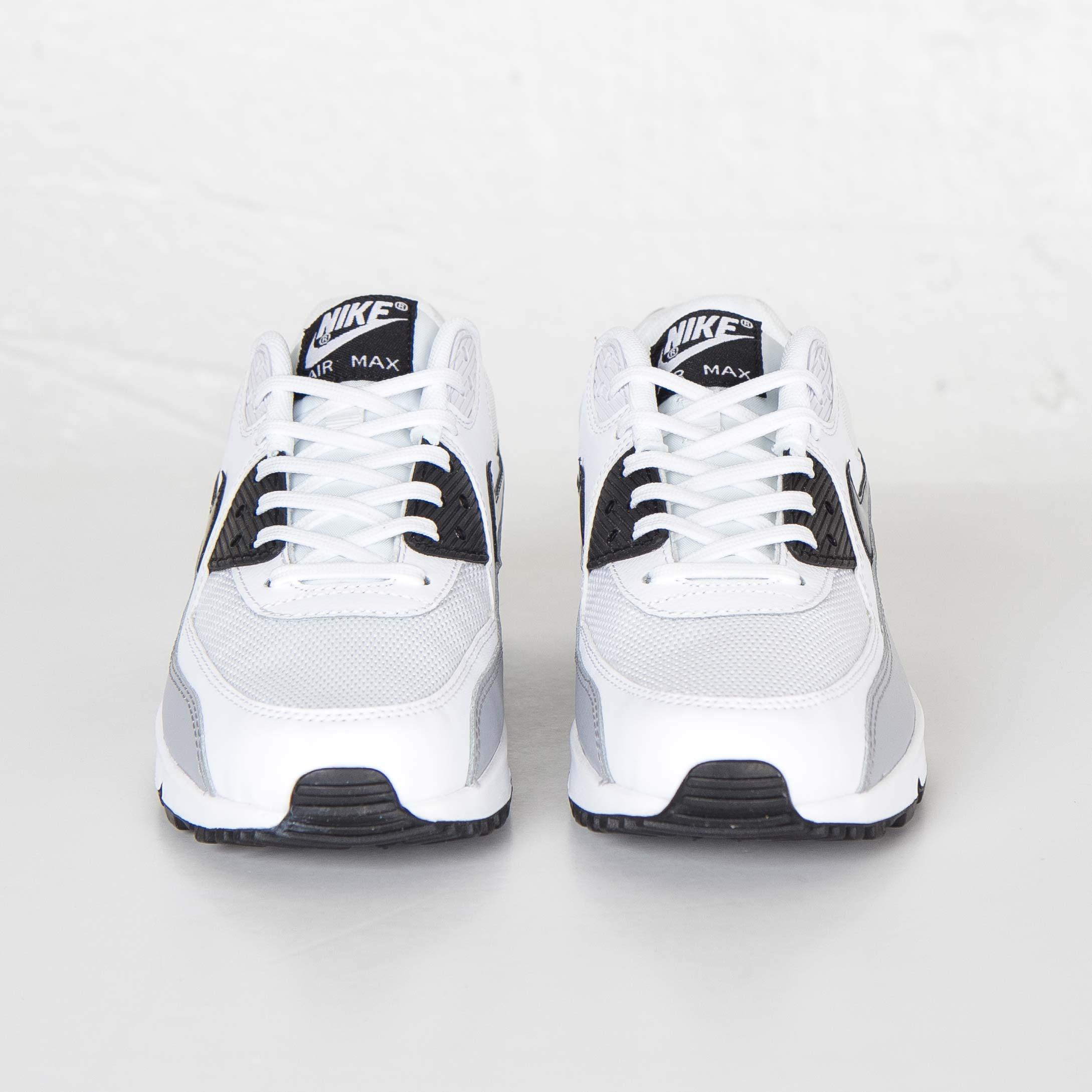 sale retailer 96eaa b289c Nike Wmns Air Max 90 Essential - 616730-111 - Sneakersnstuff   sneakers    streetwear online since 1999