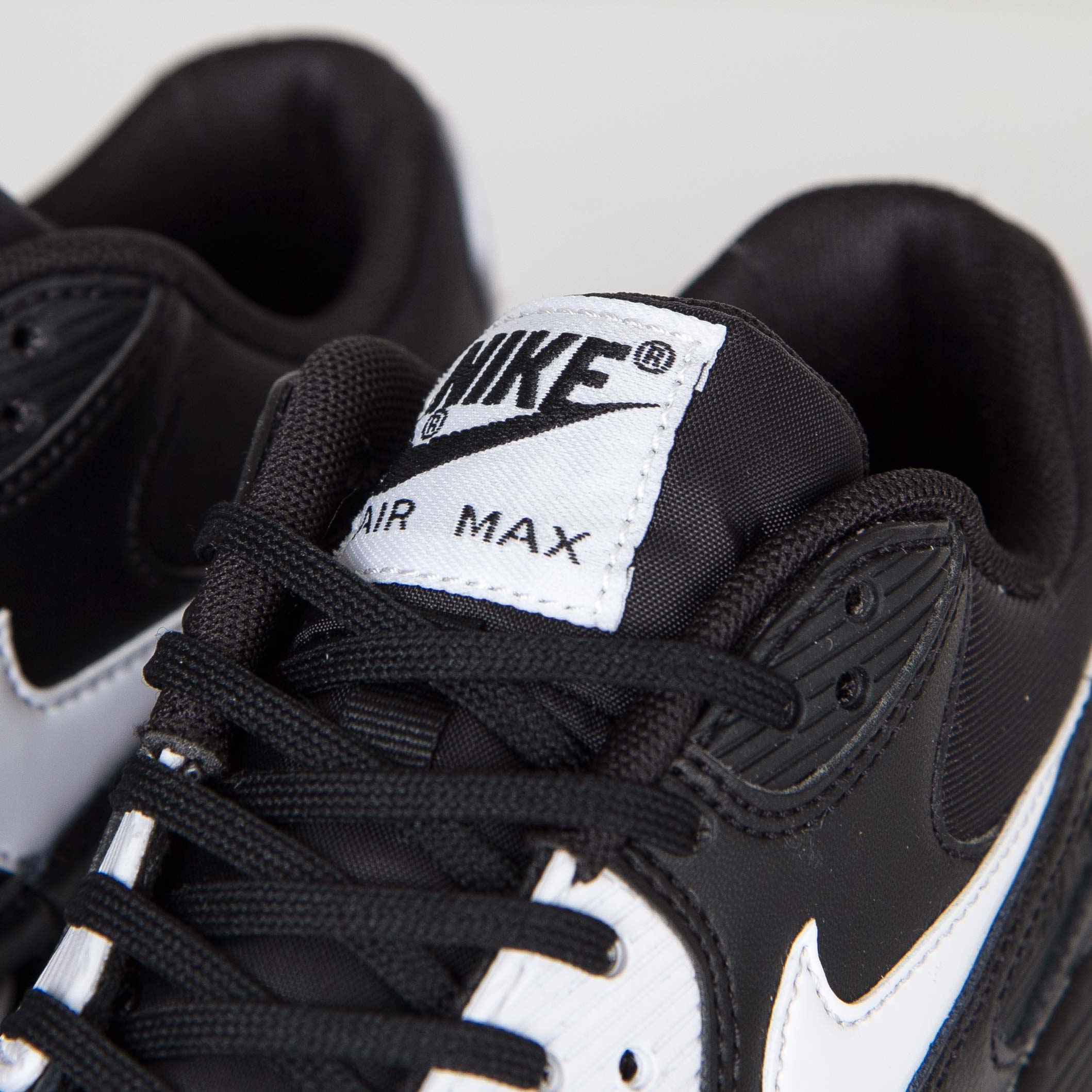 sports shoes 57811 5f85c Nike Wmns Air Max 90 Essential - 616730-023 - Sneakersnstuff   sneakers    streetwear online since 1999