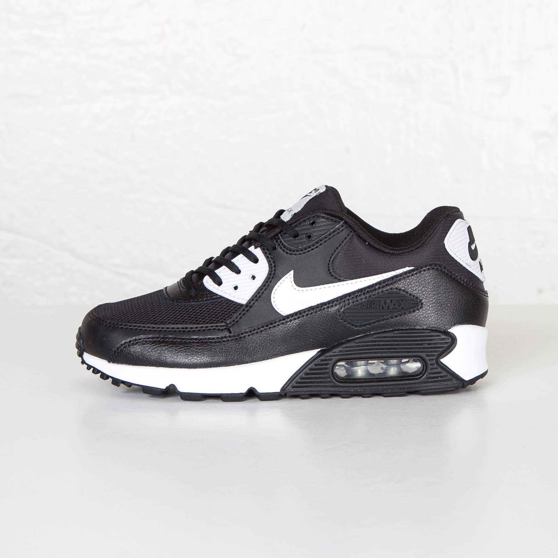 Nike Wmns Air Max 90 Essential 616730 023 Sneakersnstuff