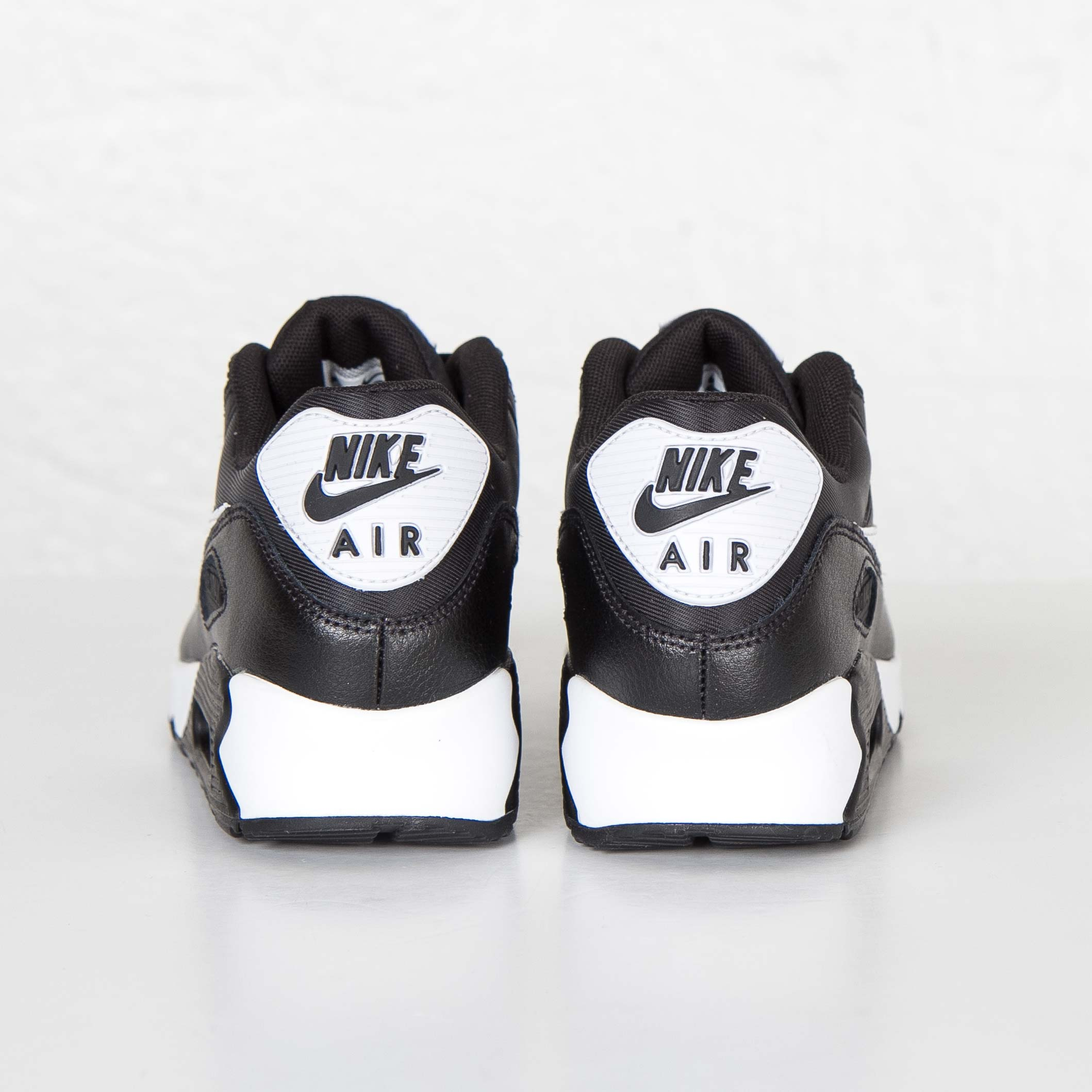 sports shoes 0e037 d284a Nike Wmns Air Max 90 Essential - 616730-023 - Sneakersnstuff   sneakers    streetwear online since 1999