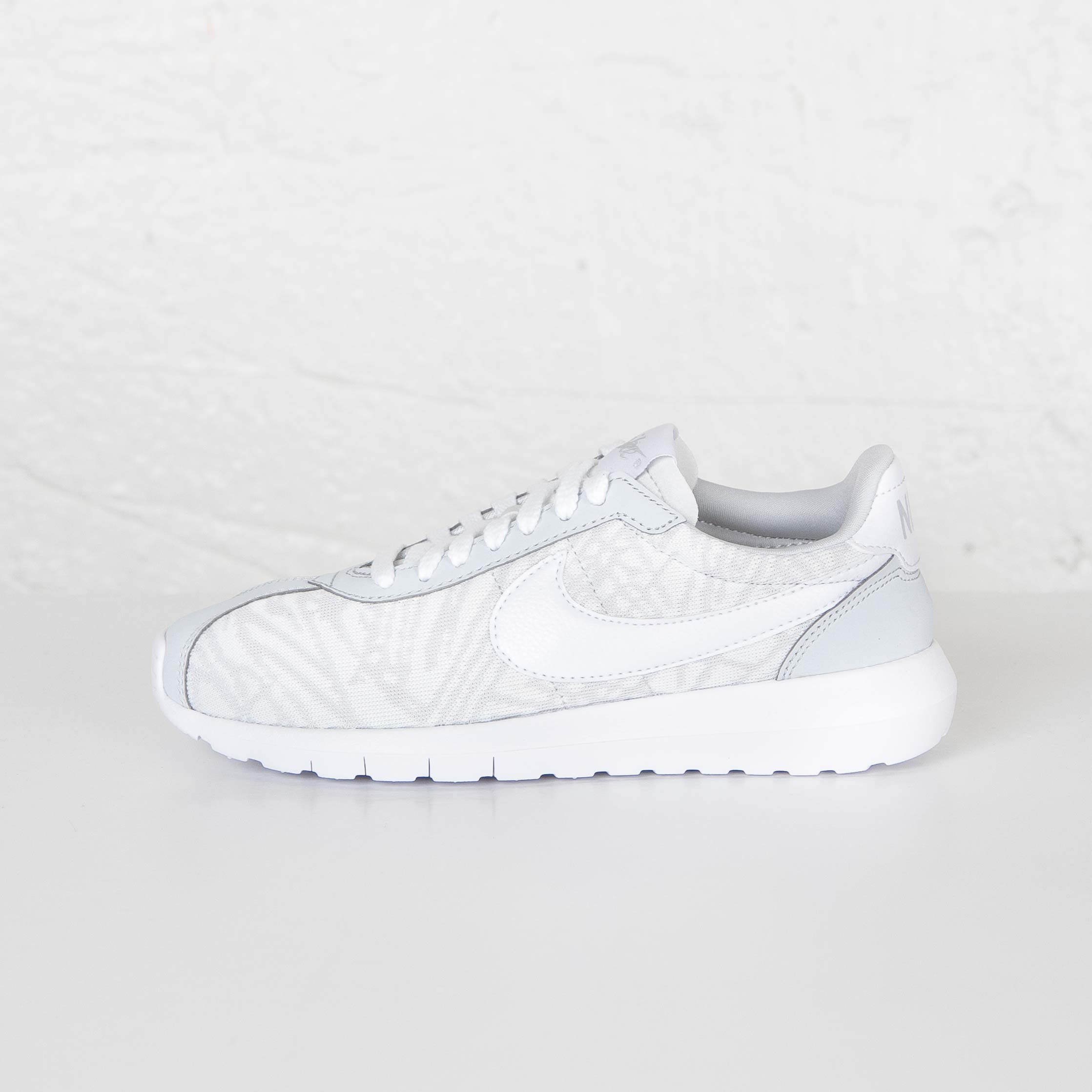 newest collection f3052 8c032 Nike W Roshe LD-1000 Knit Jacquard - 819845-100 - Sneakersnstuff   sneakers    streetwear online since 1999