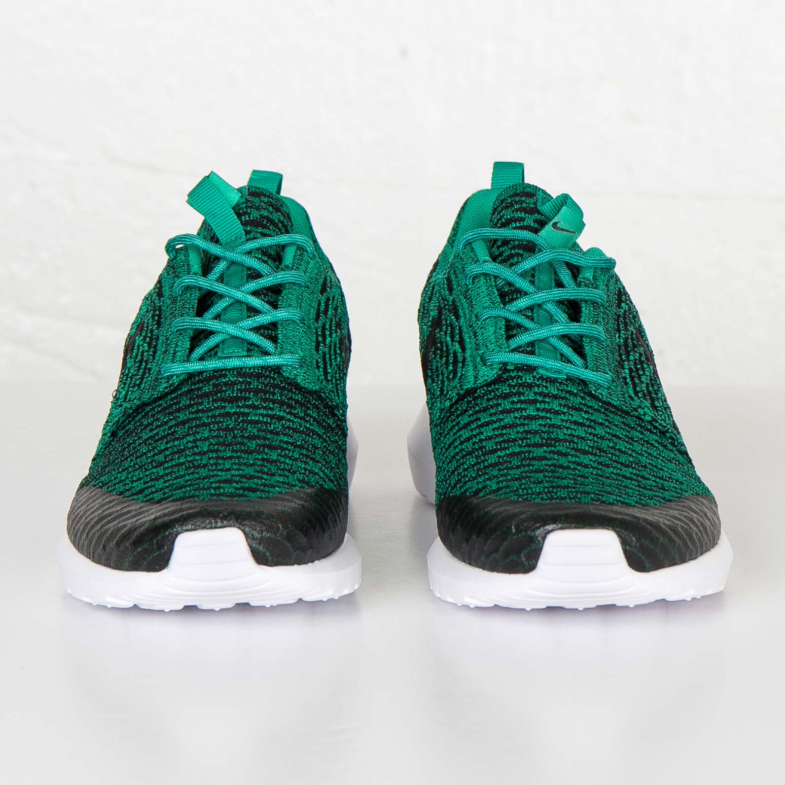 sale retailer 5e48e 26de3 Nike Roshe NM Flyknit se - 816531-300 - Sneakersnstuff   sneakers    streetwear online since 1999