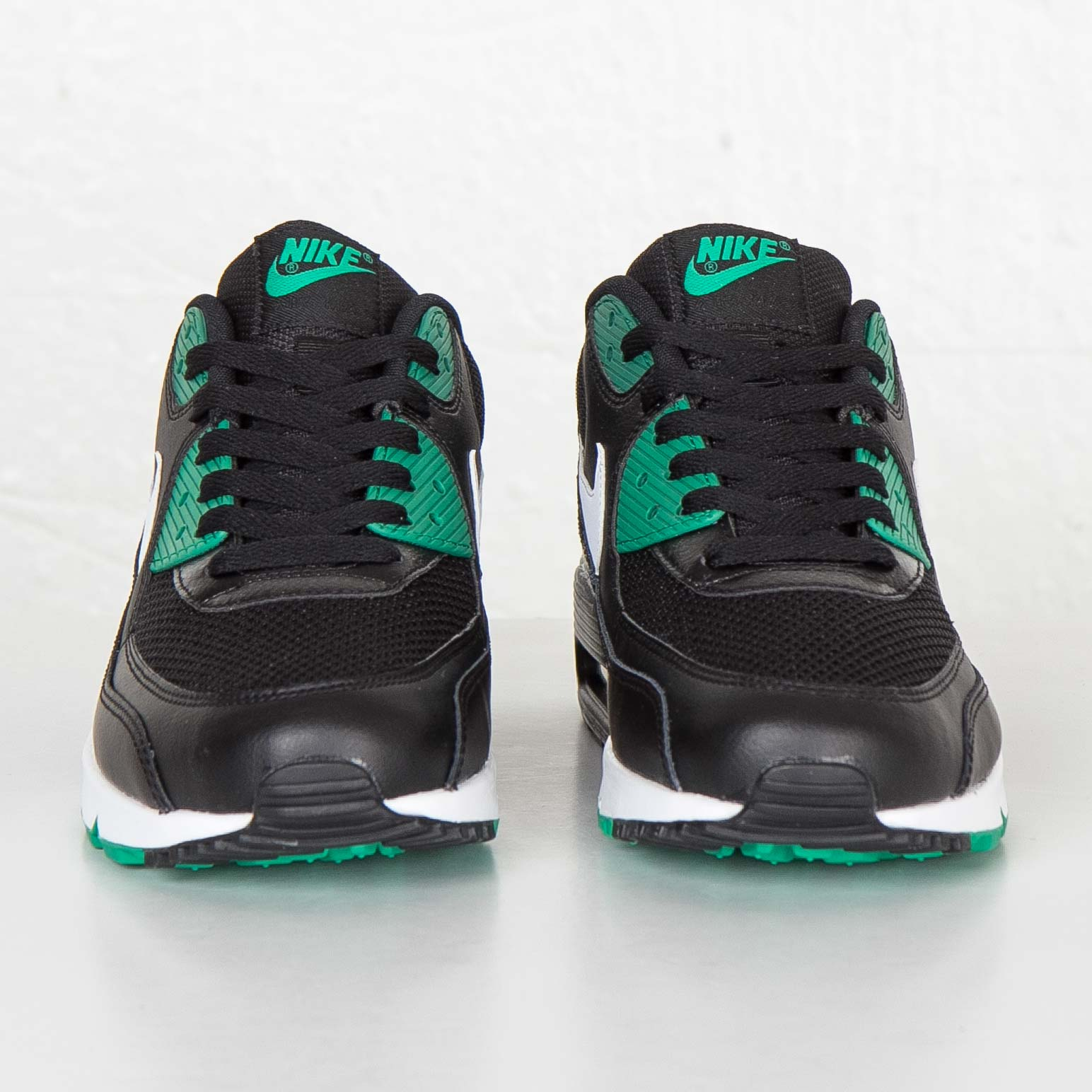 1d13058a01c Nike Air Max 90 Essential - 537384-054 - Sneakersnstuff