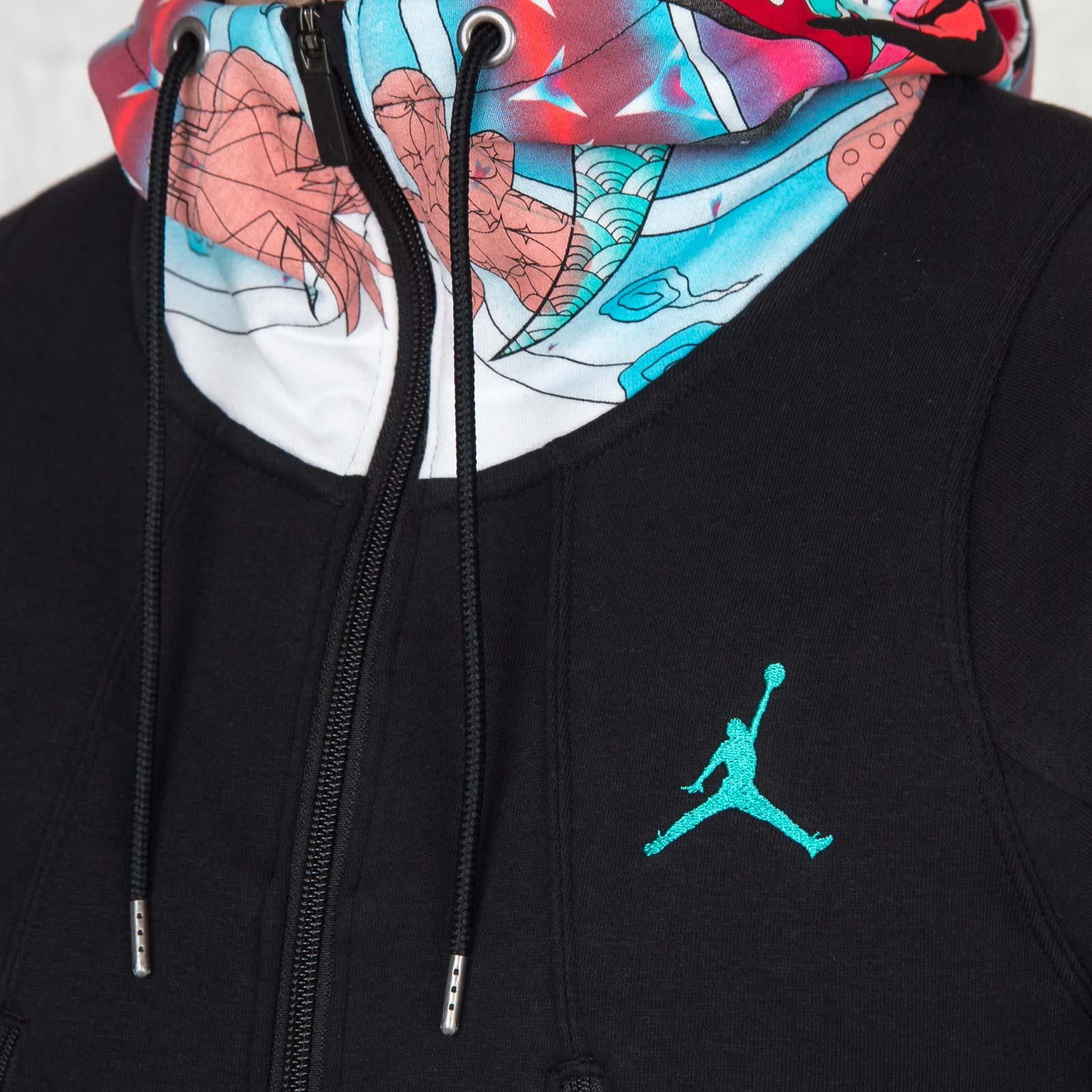 8600b7fd615 Jordan Brand CNY Varsity Hoody - 826998-010 - Sneakersnstuff   sneakers &  streetwear online since 1999