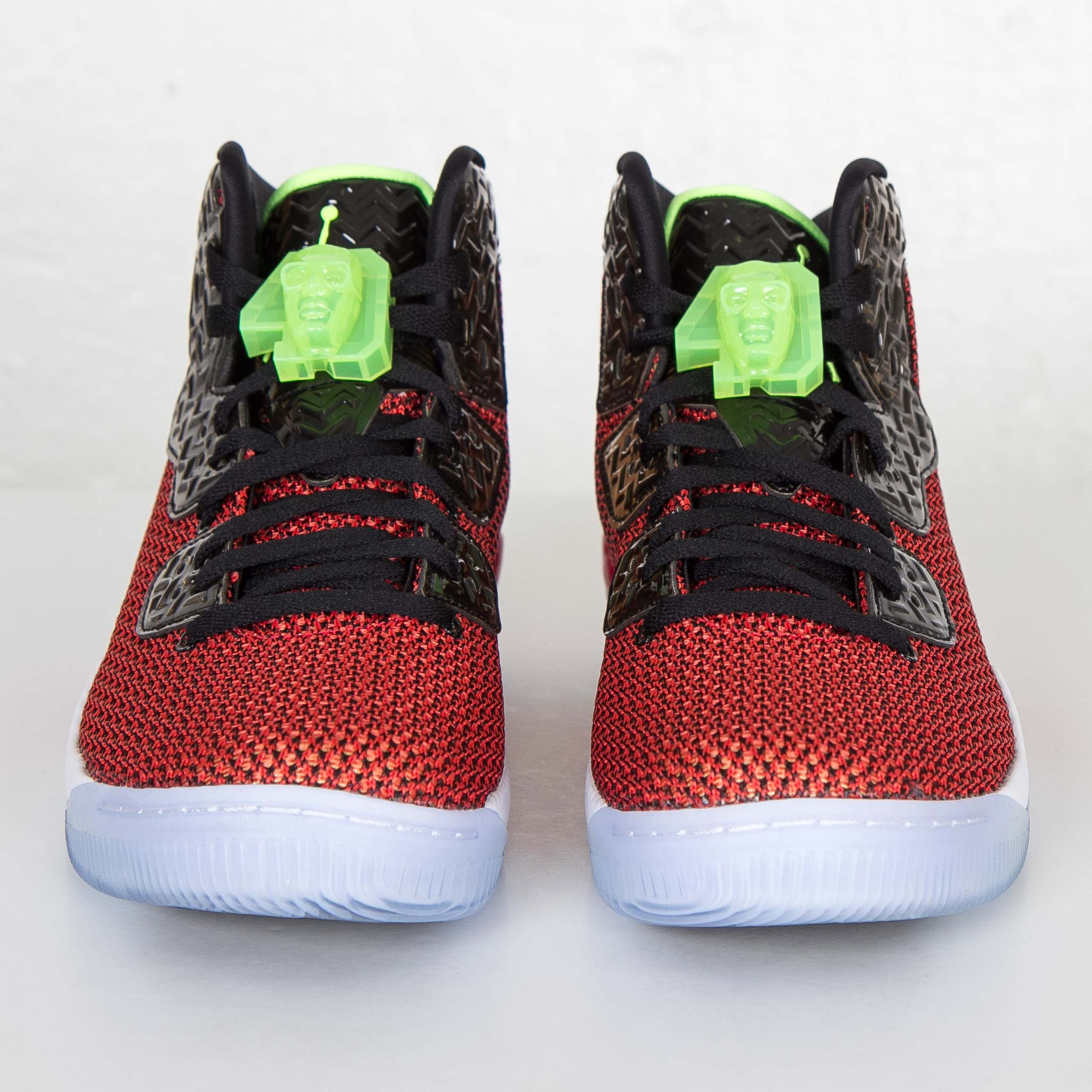 36574b562d3012 Jordan Brand Air Jordan Spike Forty - 819952-605 - Sneakersnstuff ...