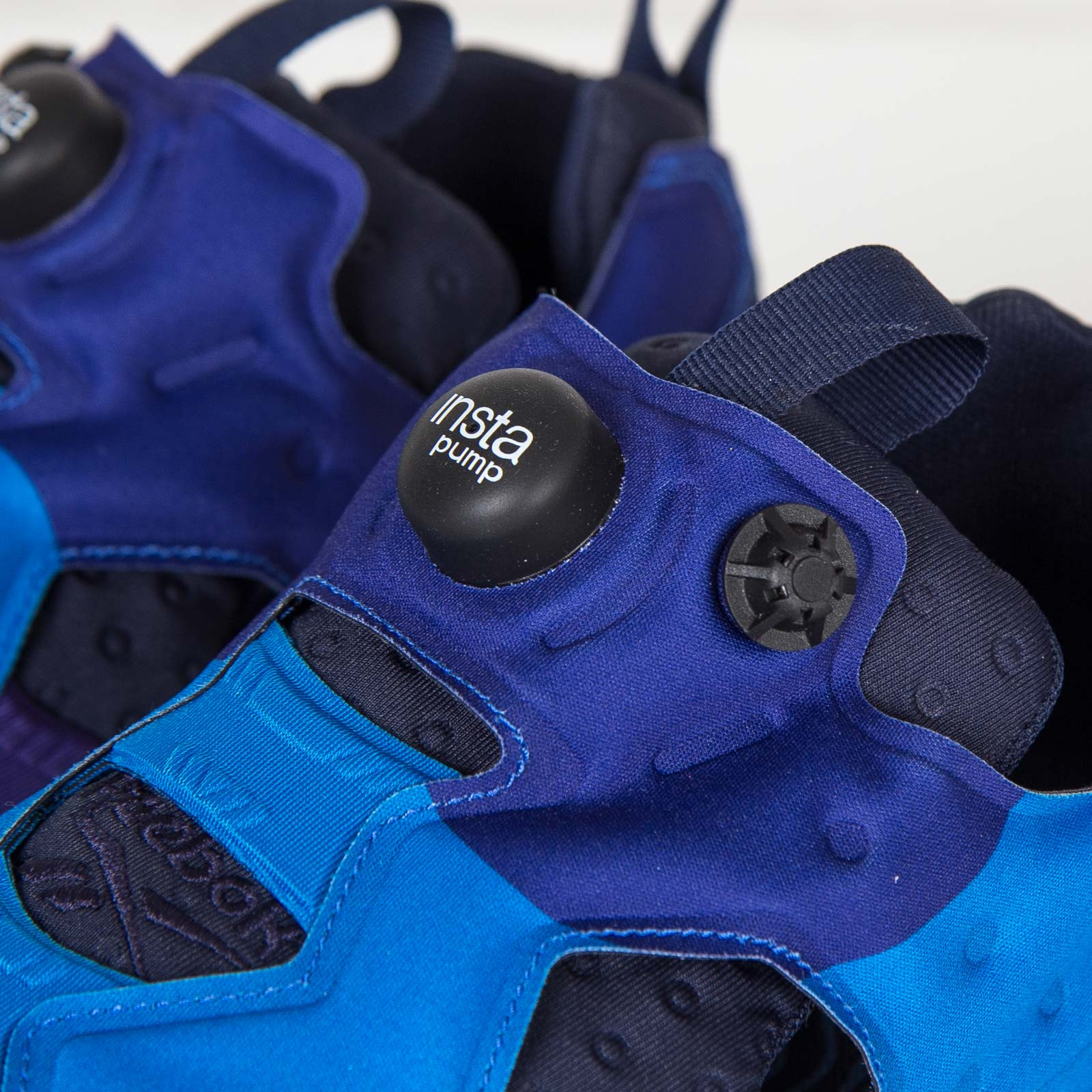 354644d5de0 Reebok Instapump Fury Asym - V67792 - Sneakersnstuff