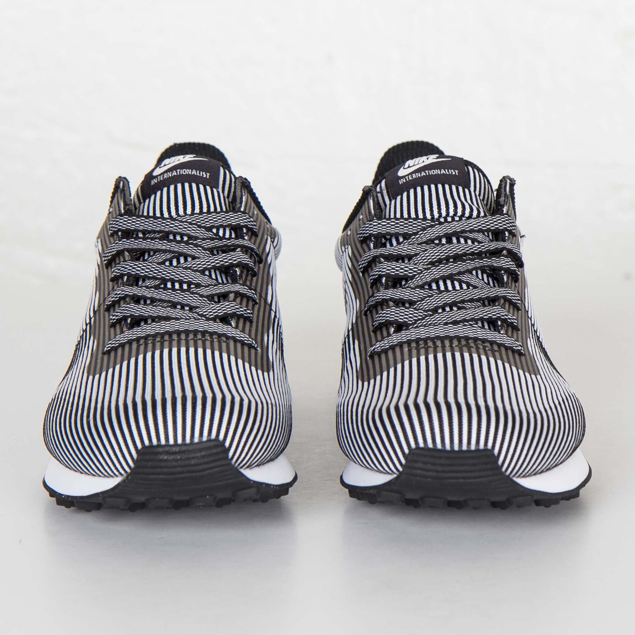 sports shoes 38c87 2daca Nike Internationalist Knit Jacquard - 829344-001 - Sneakersnstuff    sneakers   streetwear online since 1999