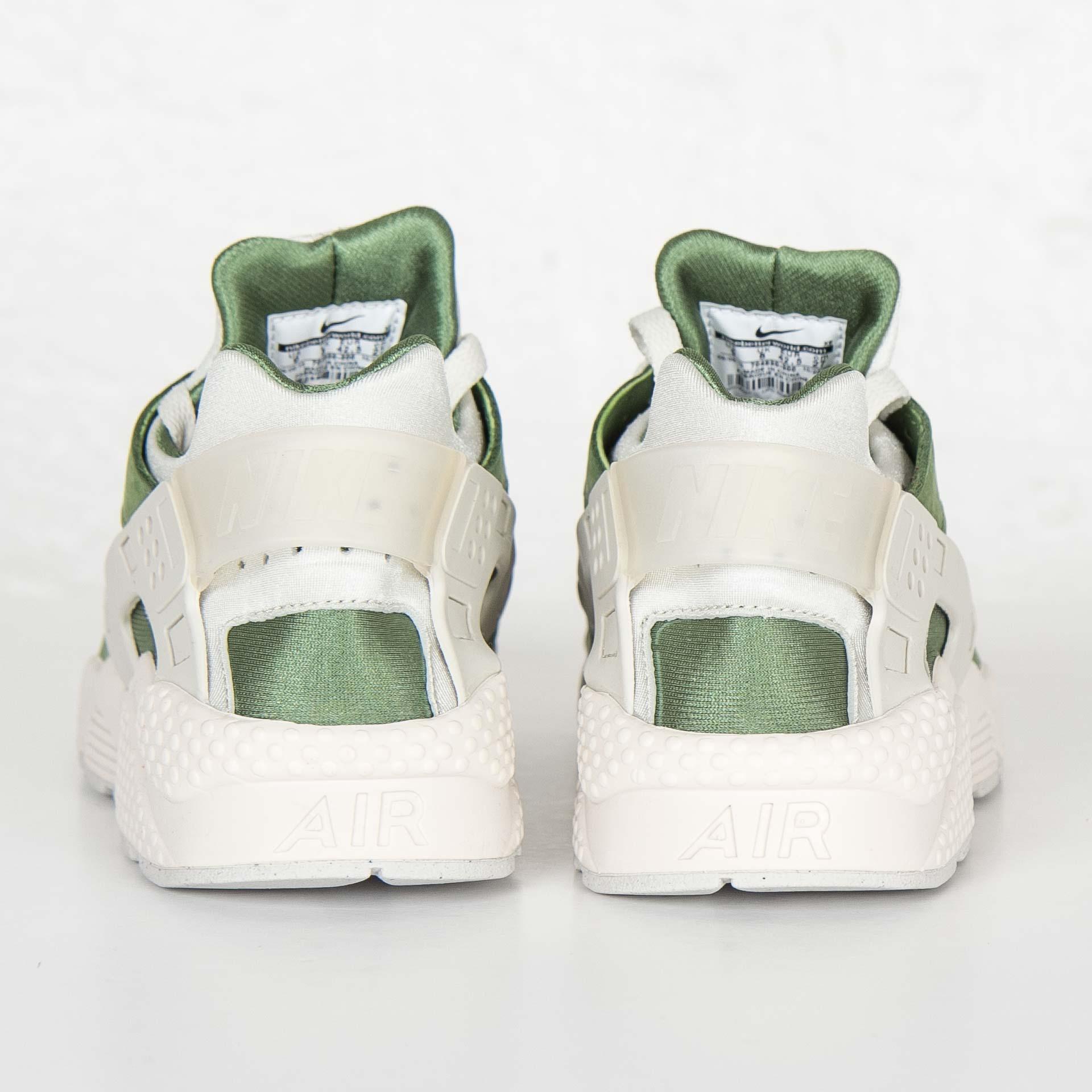 7e659a98cf03 Nike Air Huarache Run Premium - 704830-300 - Sneakersnstuff ...