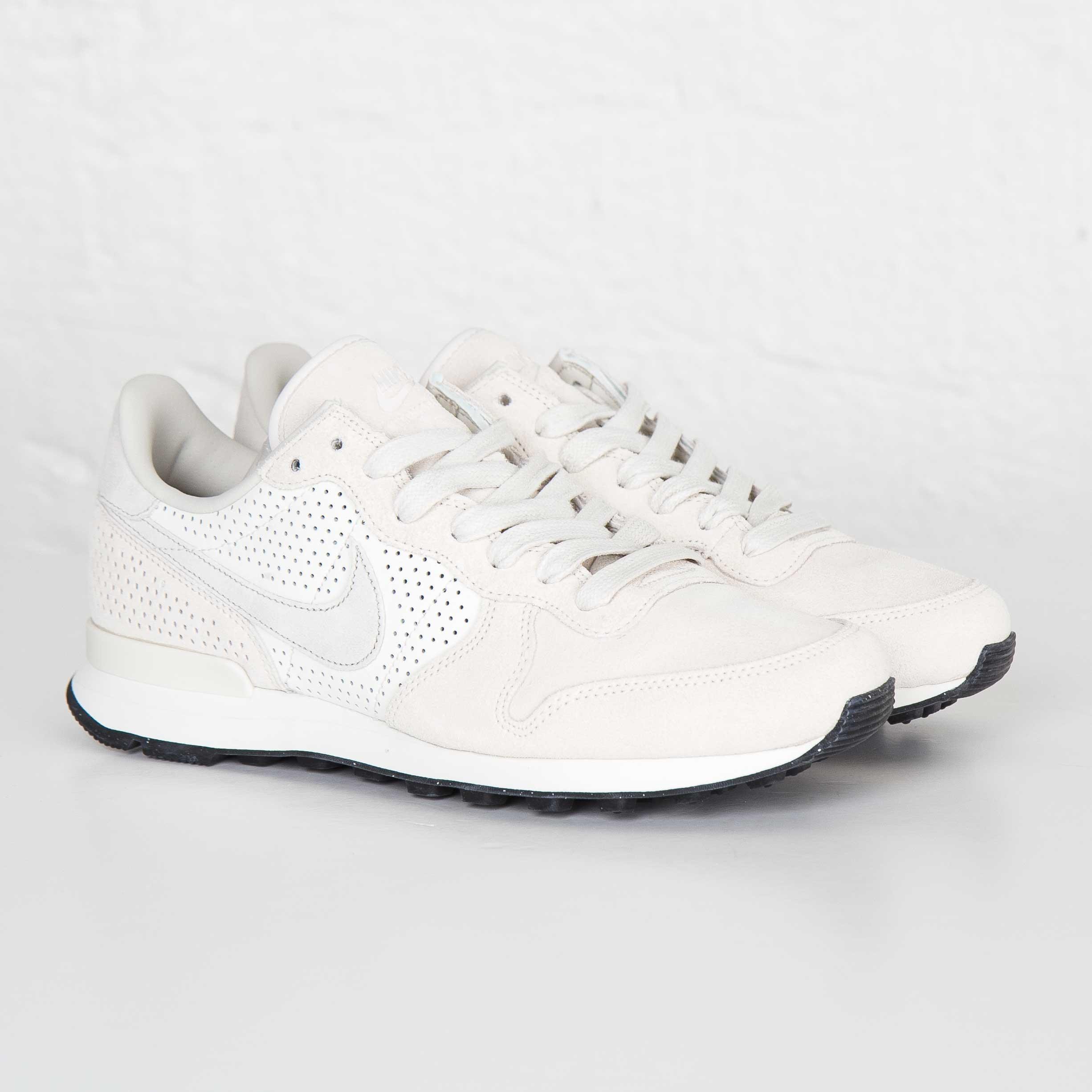 aea4fc4985788 Nike Internationalist LX - 827888-055 - Sneakersnstuff