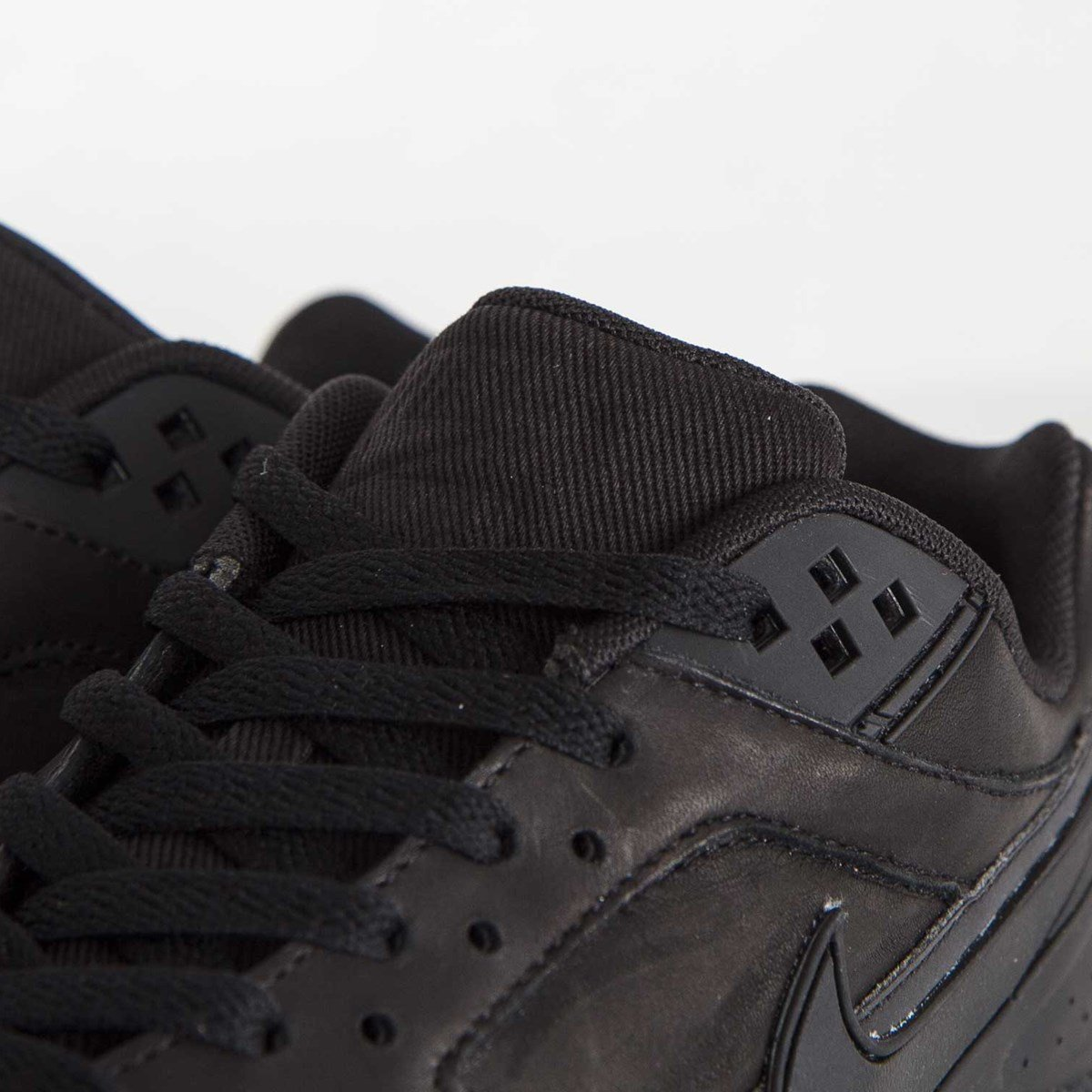 b5b6596fb7f Nike Air Max BW Premium - 819523-006 - Sneakersnstuff | sneakers &  streetwear online since 1999