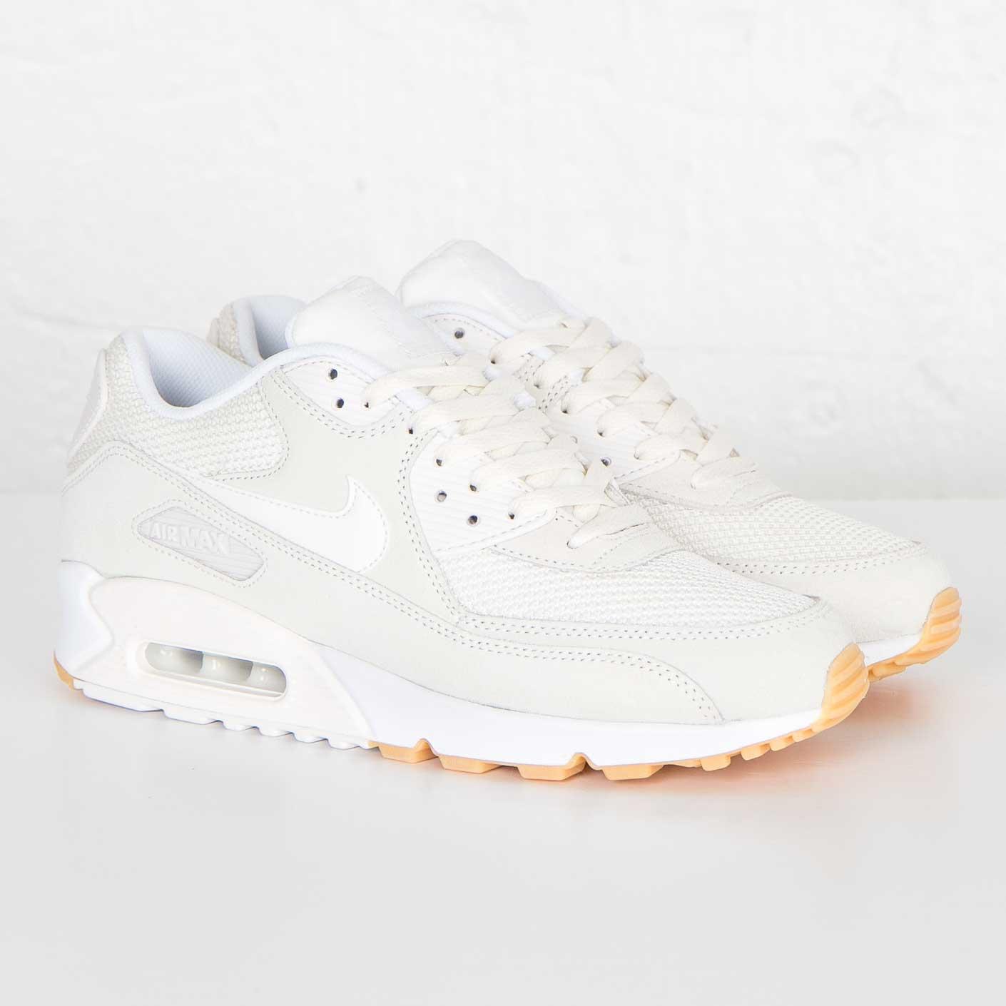 27fc26ec03 Nike Air Max 90 Essential - 537384-055 - Sneakersnstuff | sneakers ...
