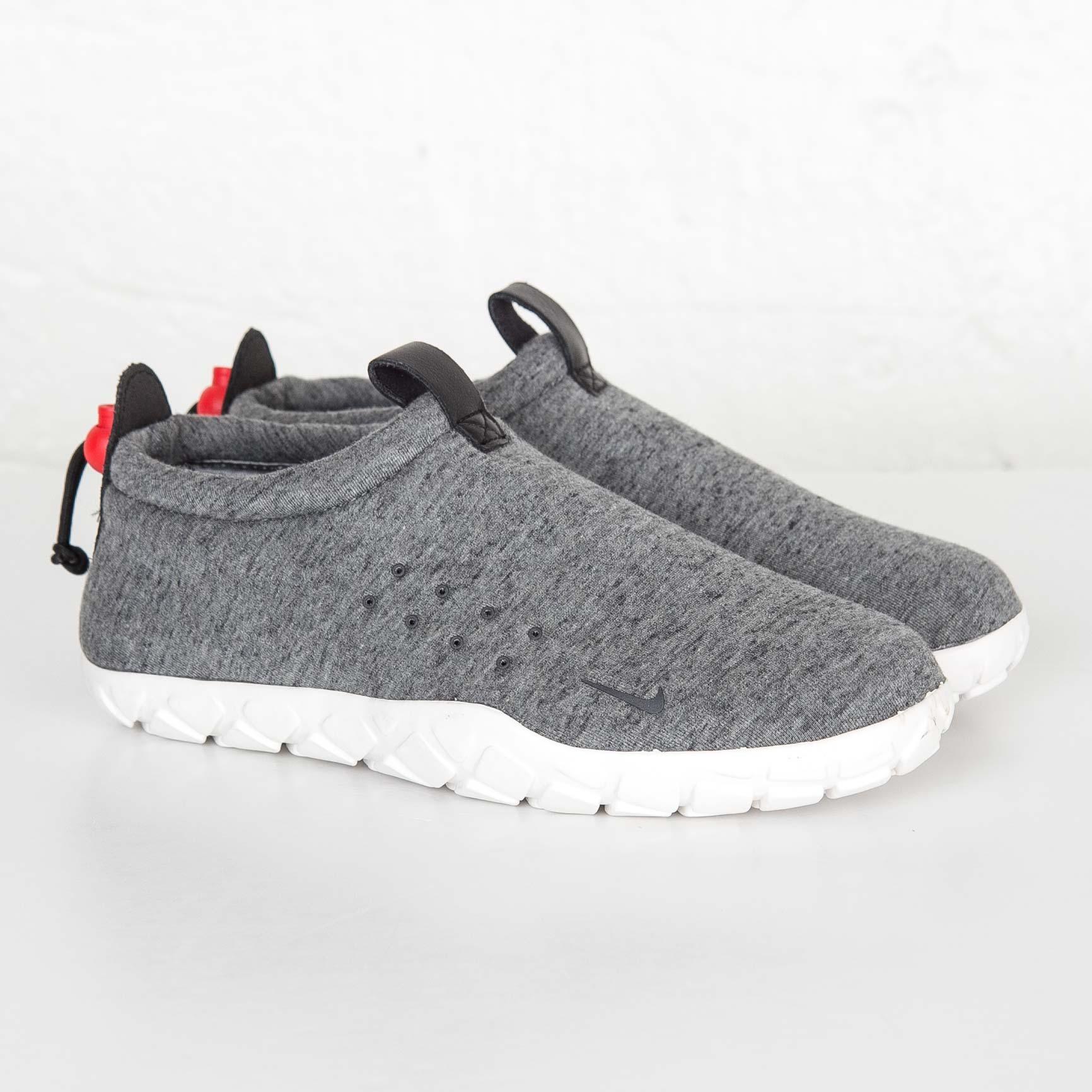 Nike Air Moc TechFleece - 834591-001 - Sneakersnstuff  cffbbba939