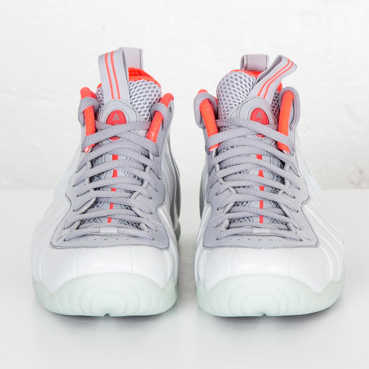 4cfe073189d Nike Air Foamposite Pro Premium - 616750-003 - Sneakersnstuff ...