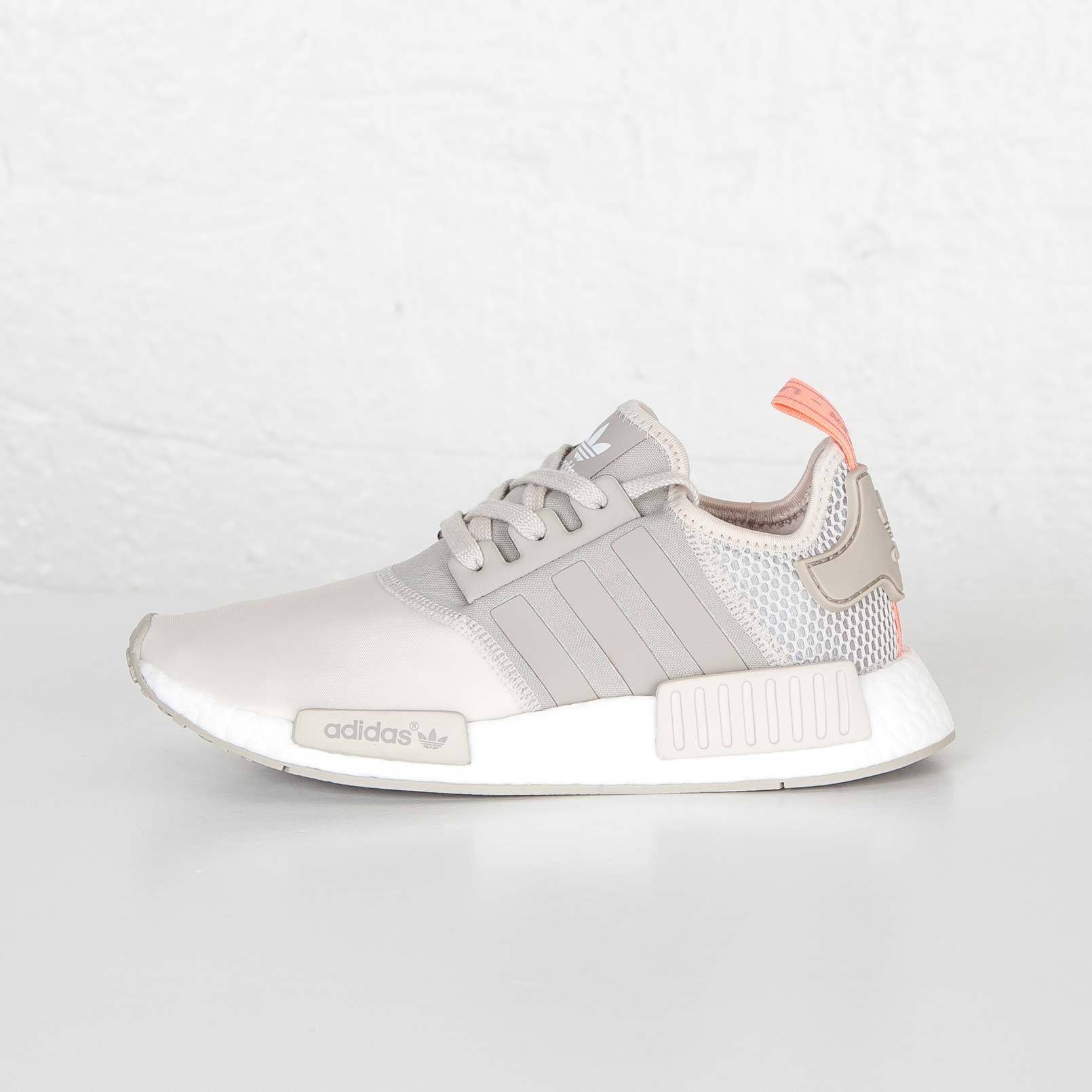 sports shoes fb148 e7fda adidas NMD_R1 W - S75233 - Sneakersnstuff | sneakers ...