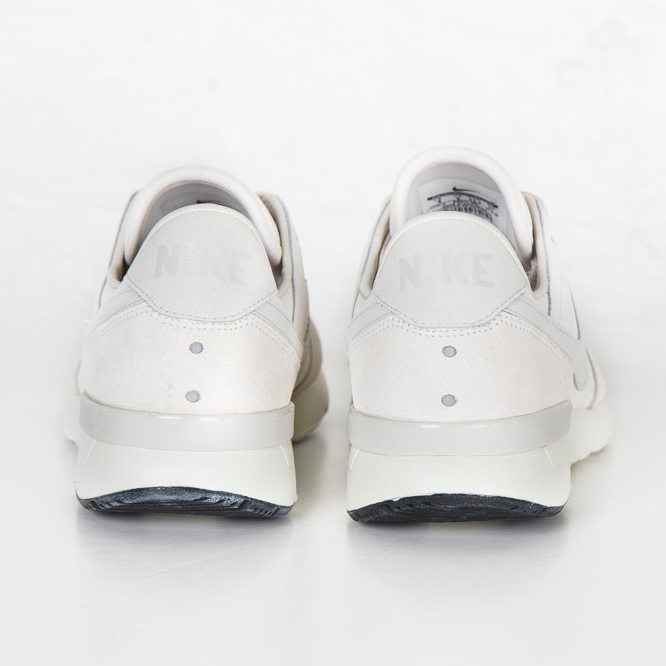 huge selection of 56f45 2c2de Nike Archive 83 M LX - 819517-055 - Sneakersnstuff   sneakers   streetwear  på nätet sen 1999