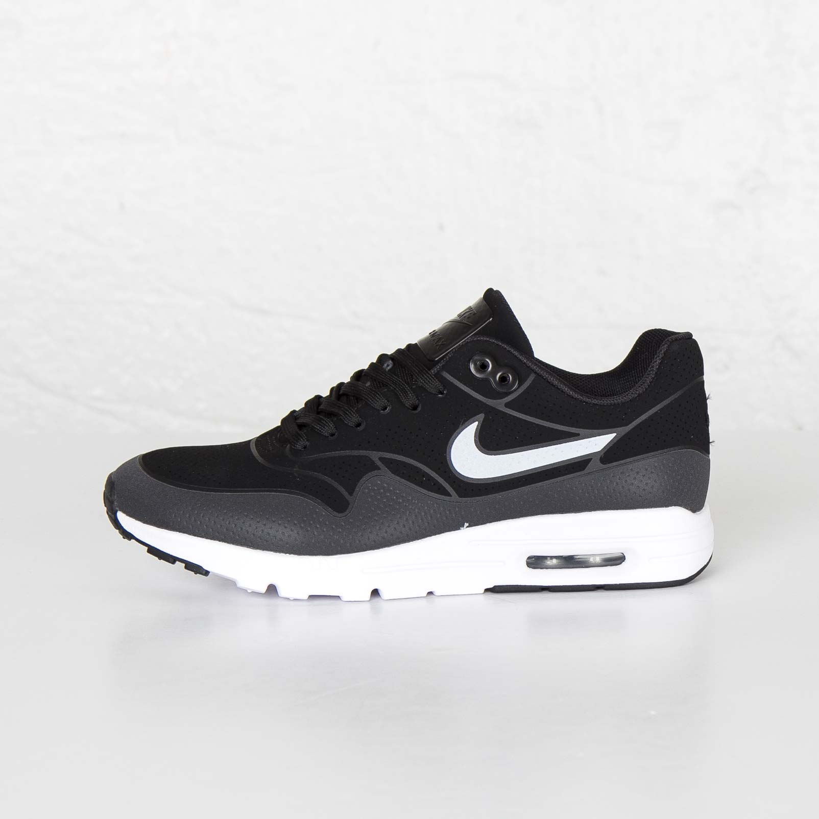 nike wmns air max 1 ultra moire 704995 001. Black Bedroom Furniture Sets. Home Design Ideas