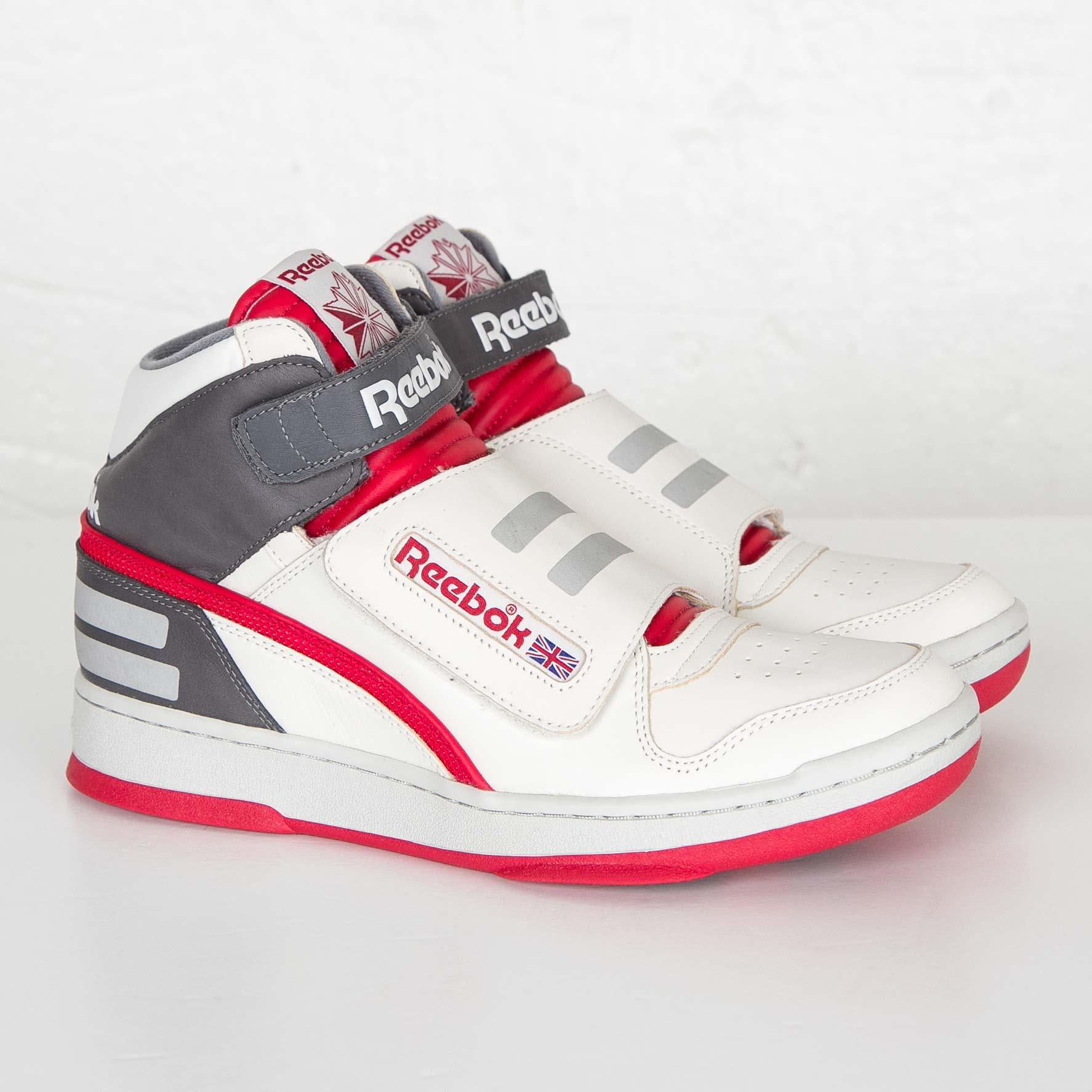 4fc1e4c16374 Reebok Alien Stomper Mid - V66526 - Sneakersnstuff