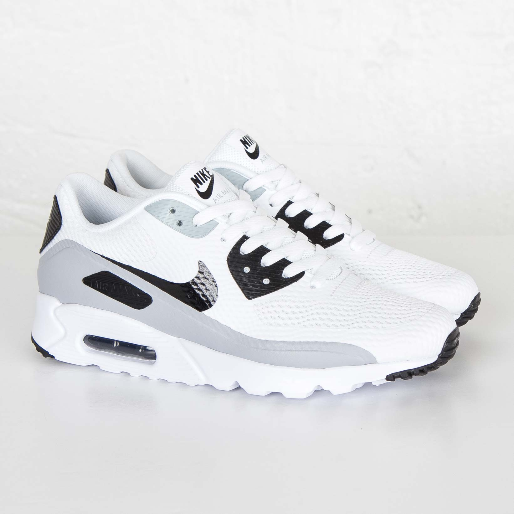 reputable site e60a7 23a7b Nike Air Max 90 Essential