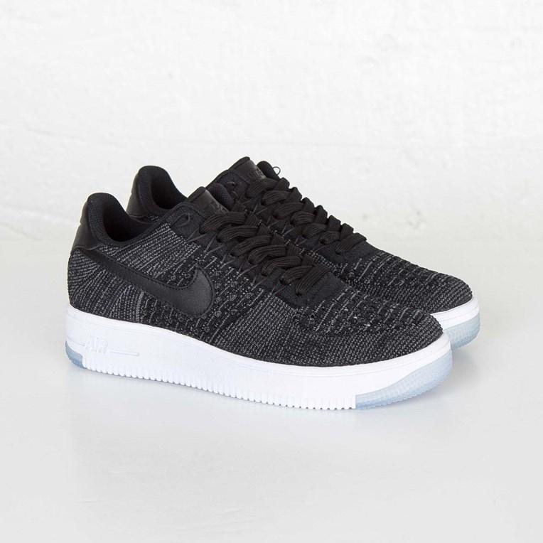 buy popular a30e5 62535 Nike W AF1 Flyknit Low - 820256-001 - Sneakersnstuff ...