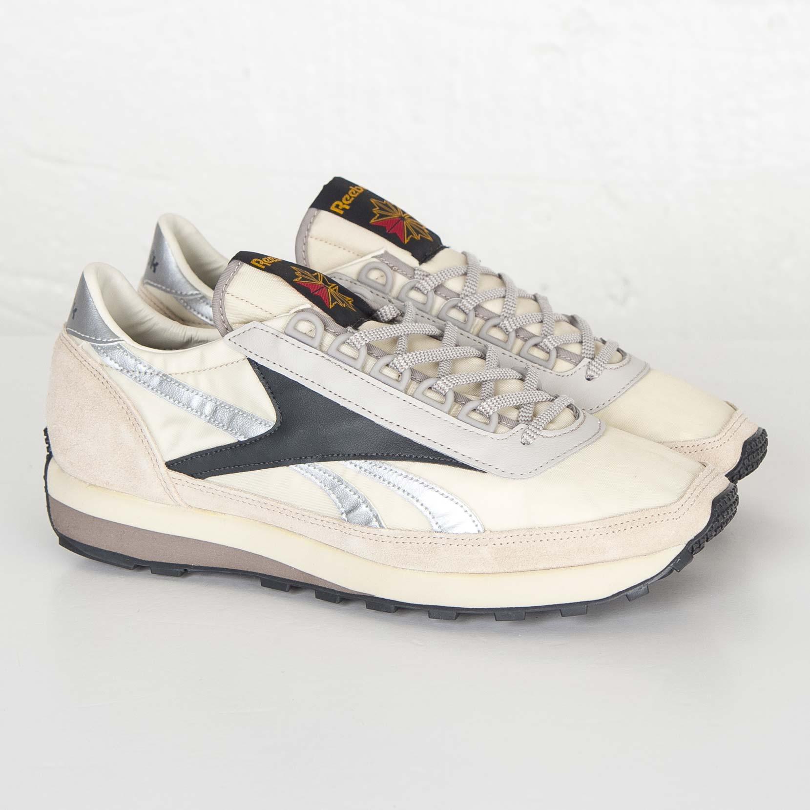 AZTEC OG - FOOTWEAR - Low-tops & sneakers Reebok 9nEwzZ