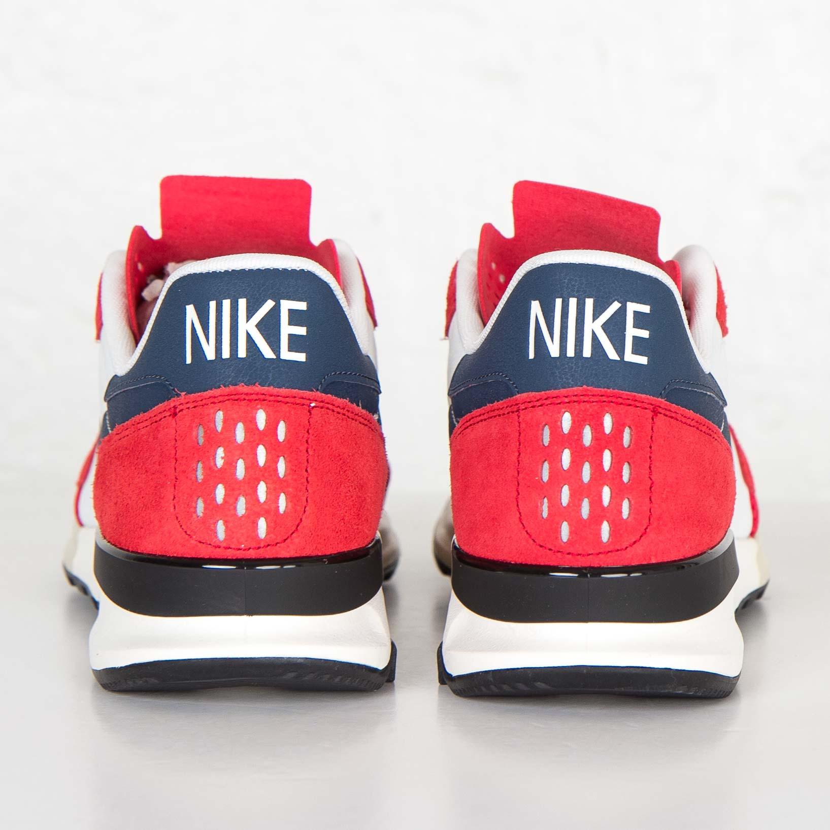 low priced 24f66 3b6c5 Nike Air Berwuda - 555305-601 - Sneakersnstuff   sneakers   streetwear  online since 1999