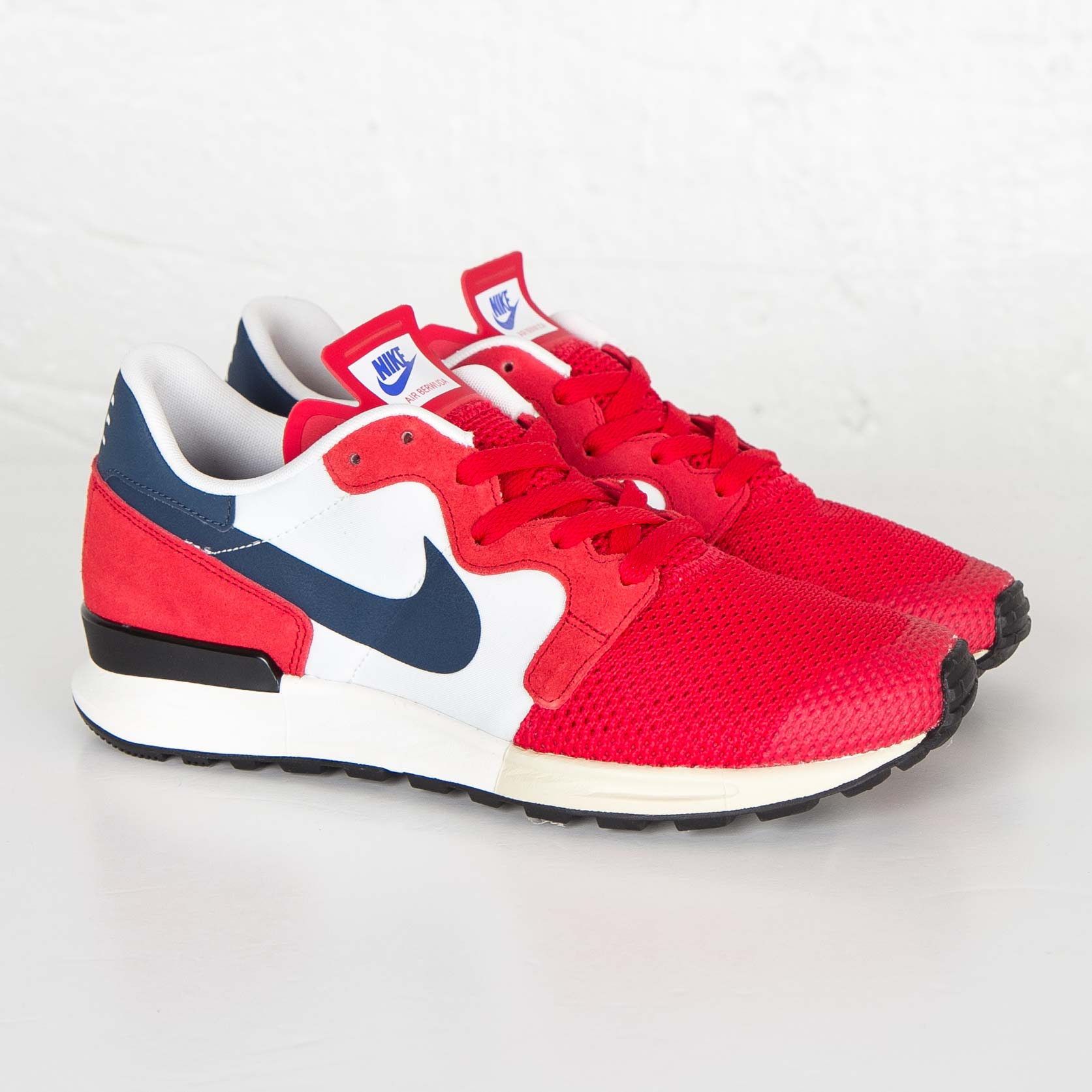 Nike Air Berwuda Women University Red Blue Squadron