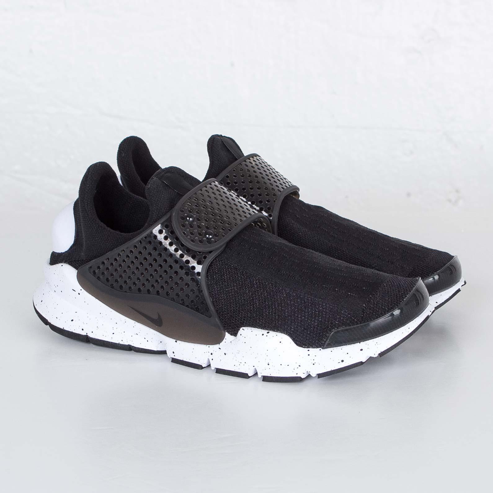 Nike Sock Dart SE - 833124-001 - Sneakersnstuff  23bf13a55315
