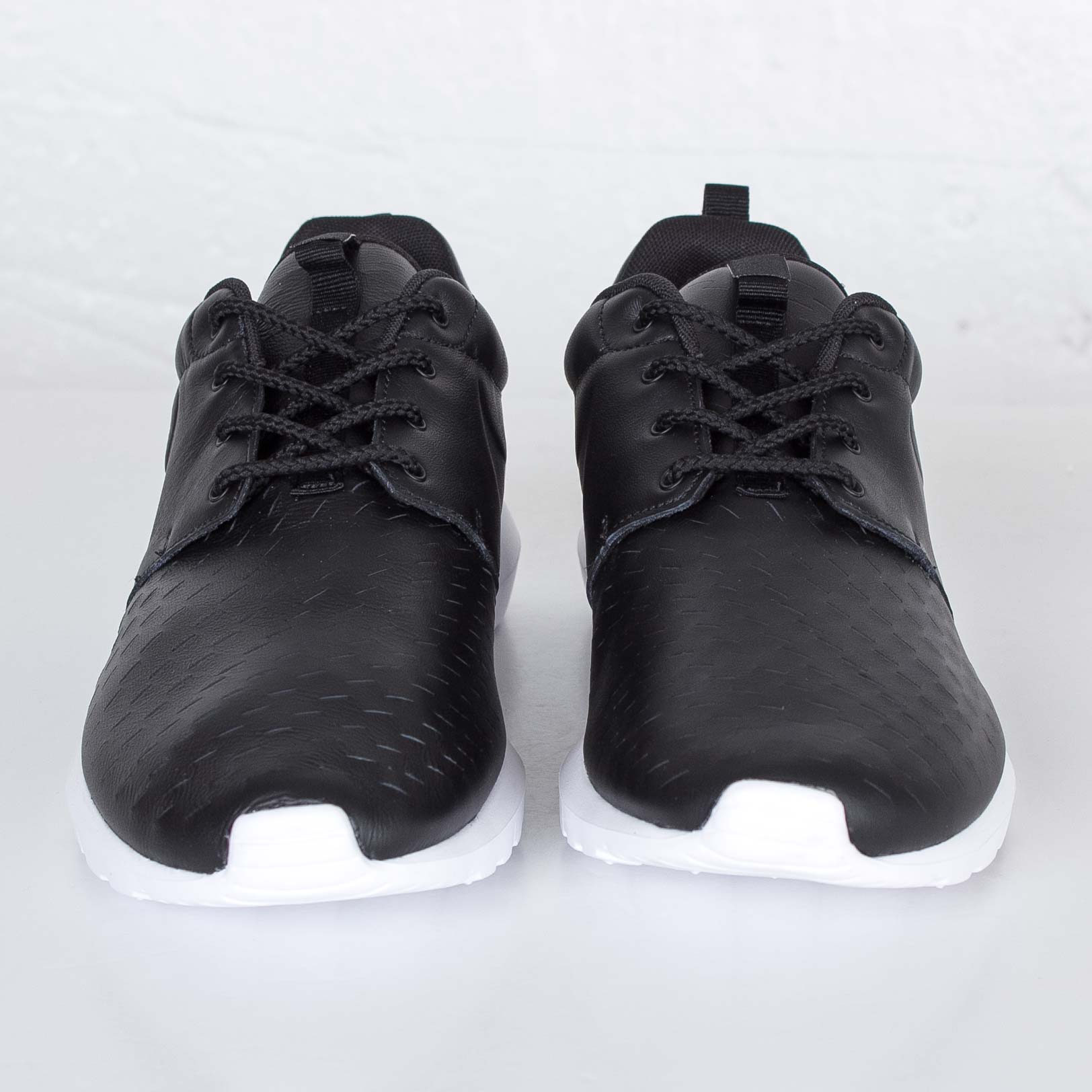sports shoes 6a730 3226f Nike Roshe NM LSR - 833126-001 - Sneakersnstuff   sneakers   streetwear  online since 1999
