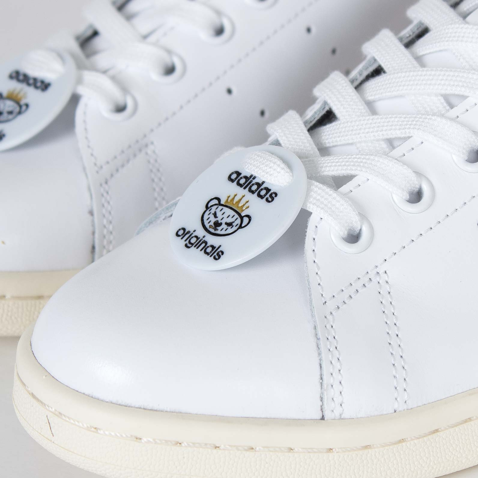 timeless design 49c80 124c1 adidas Stan Smith Nigo - S79591 - Sneakersnstuff | sneakers ...