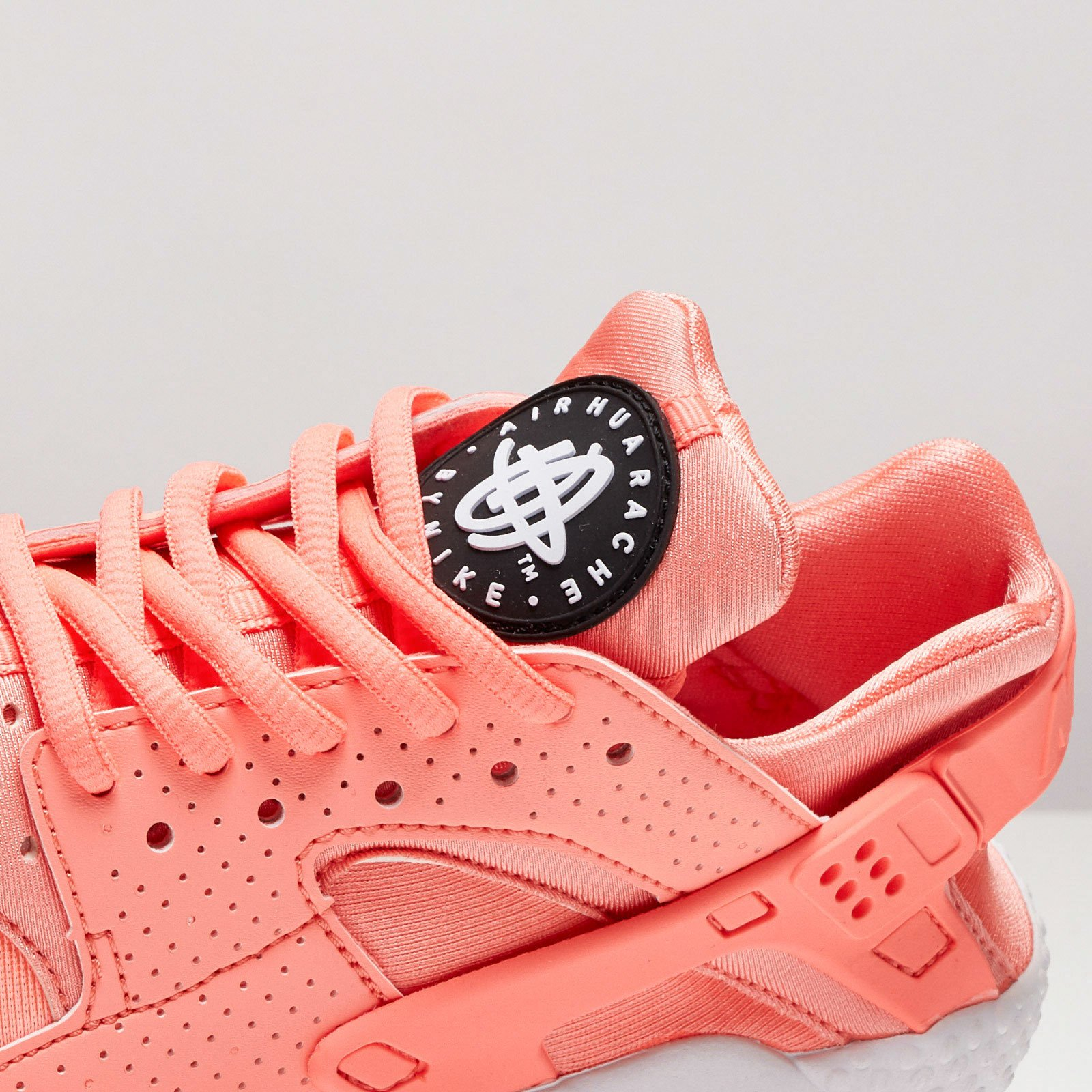 ... Nike Wmns Air Huarache Run