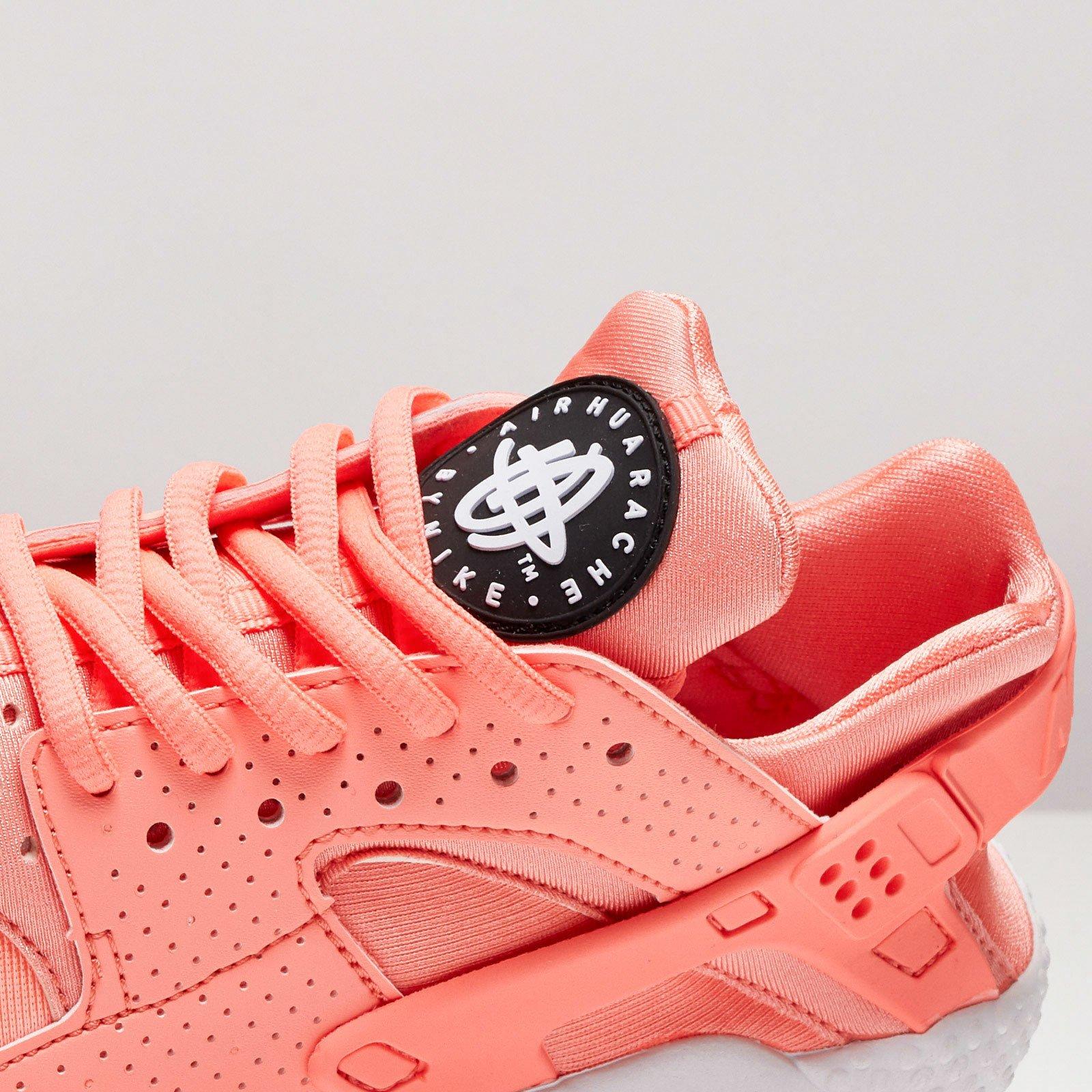 Atomic Pink Nike Wmns Air Huarache Run ... Nike Wmns Air Huarache Run