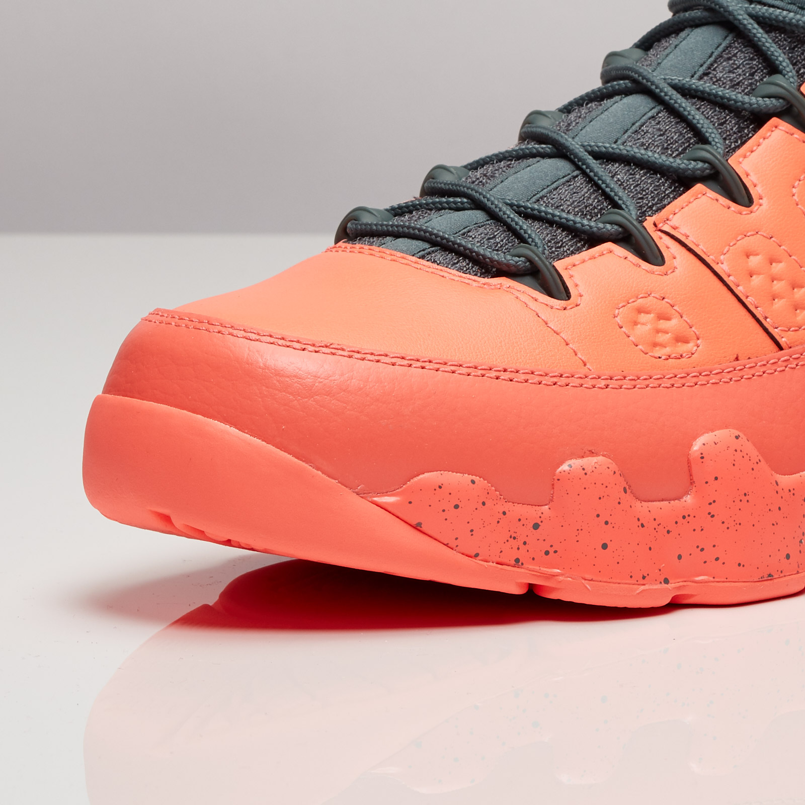 c5f4c495390637 Jordan Brand Air Jordan 9 Retro Low - 832822-805 - Sneakersnstuff ...
