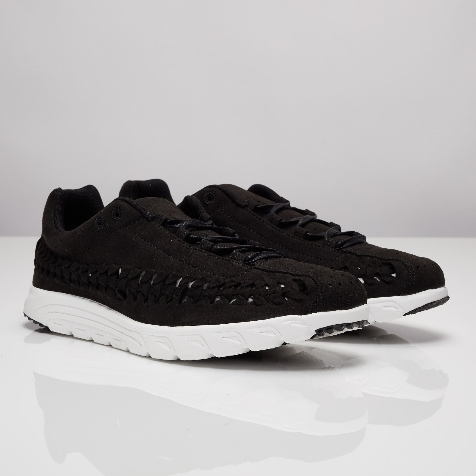 separation shoes bf0f2 ee607 Nike Mayfly Woven - 833132-001 - Sneakersnstuff | sneakers ...