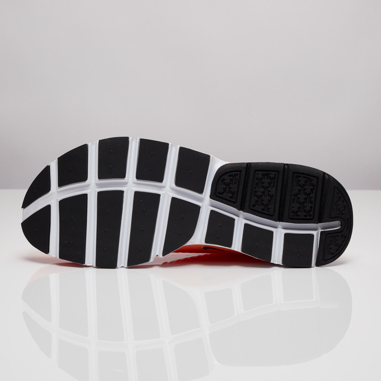 low priced e6d24 e3cd7 Nike Sock Dart SE - 833124-800 - Sneakersnstuff   sneakers   streetwear  online since 1999