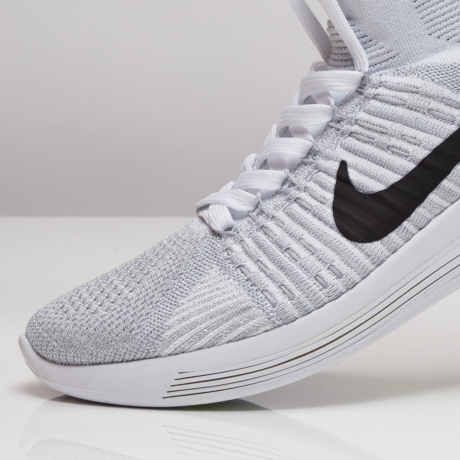 check out 26128 9cb4e Nike Lunarepic Flyknit - 818676-102 - Sneakersnstuff ...