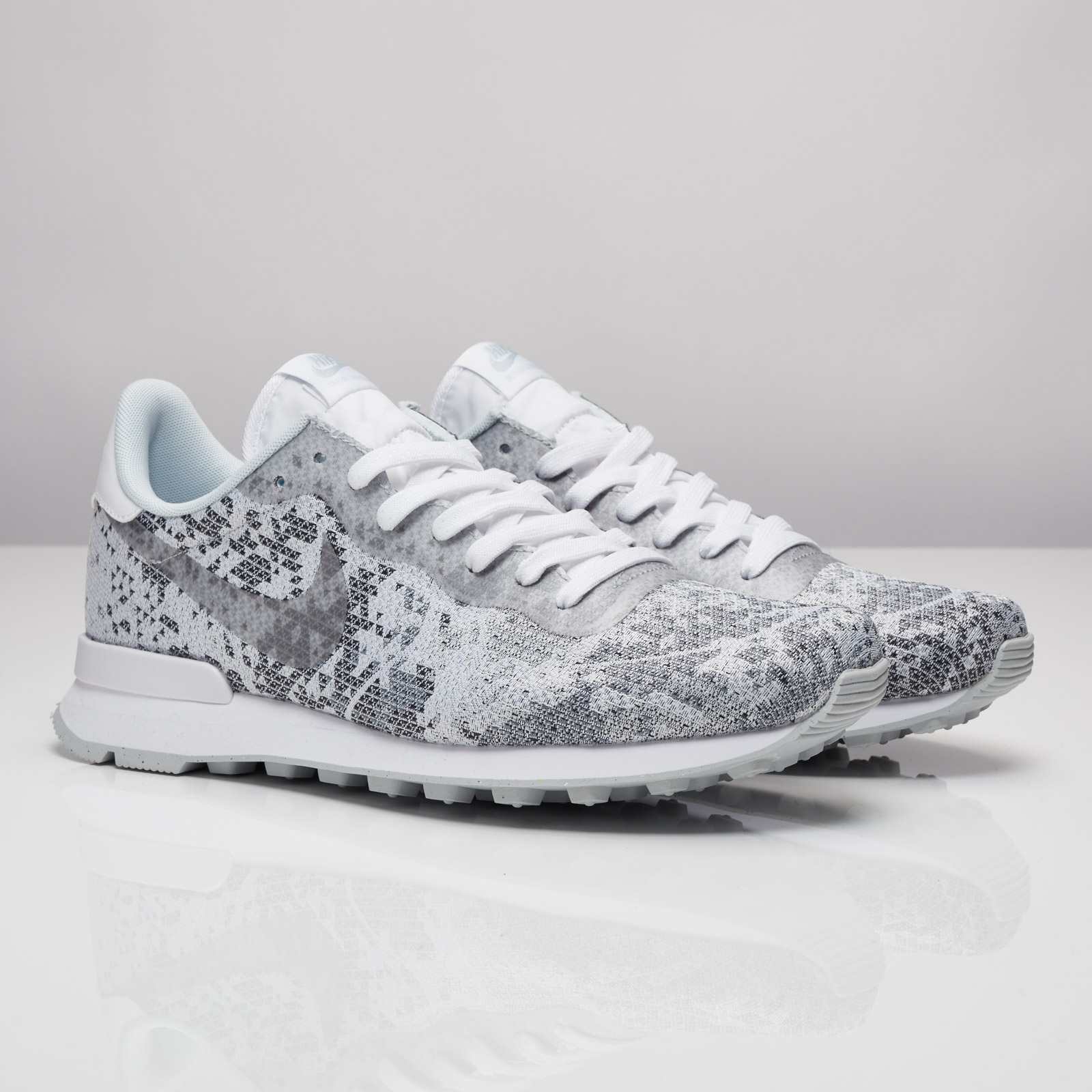 Nike Internationalist Jacquard QS - 839233-100 - Sneakersnstuff ... 4eab79043ab2