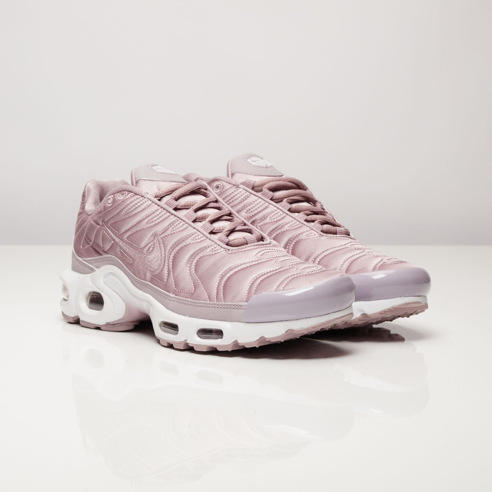 detailed look aefaf 9de33 Nike Wmns Air Max Plus SE